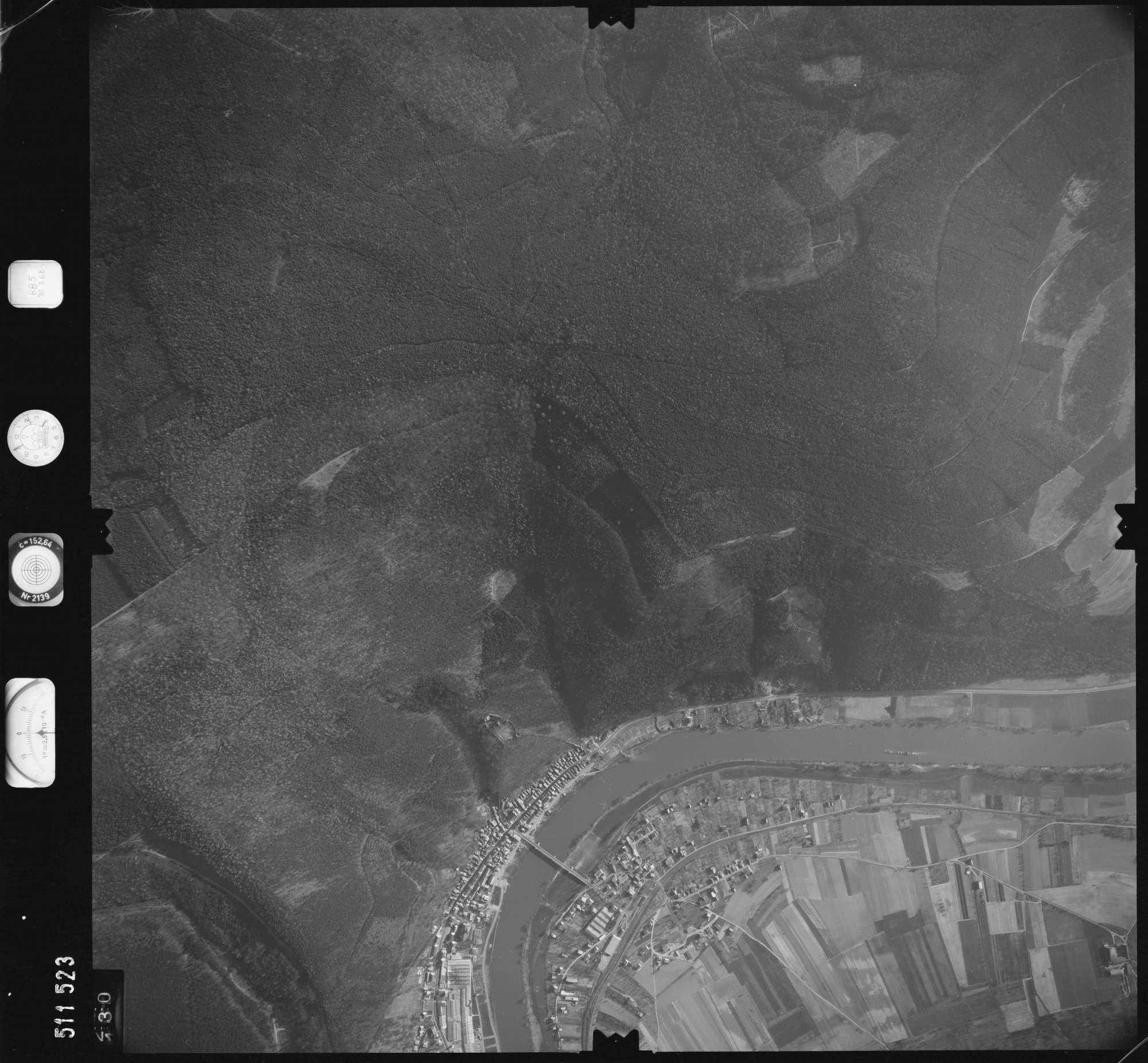 Luftbild: Film 885 Bildnr. 130, Bild 1