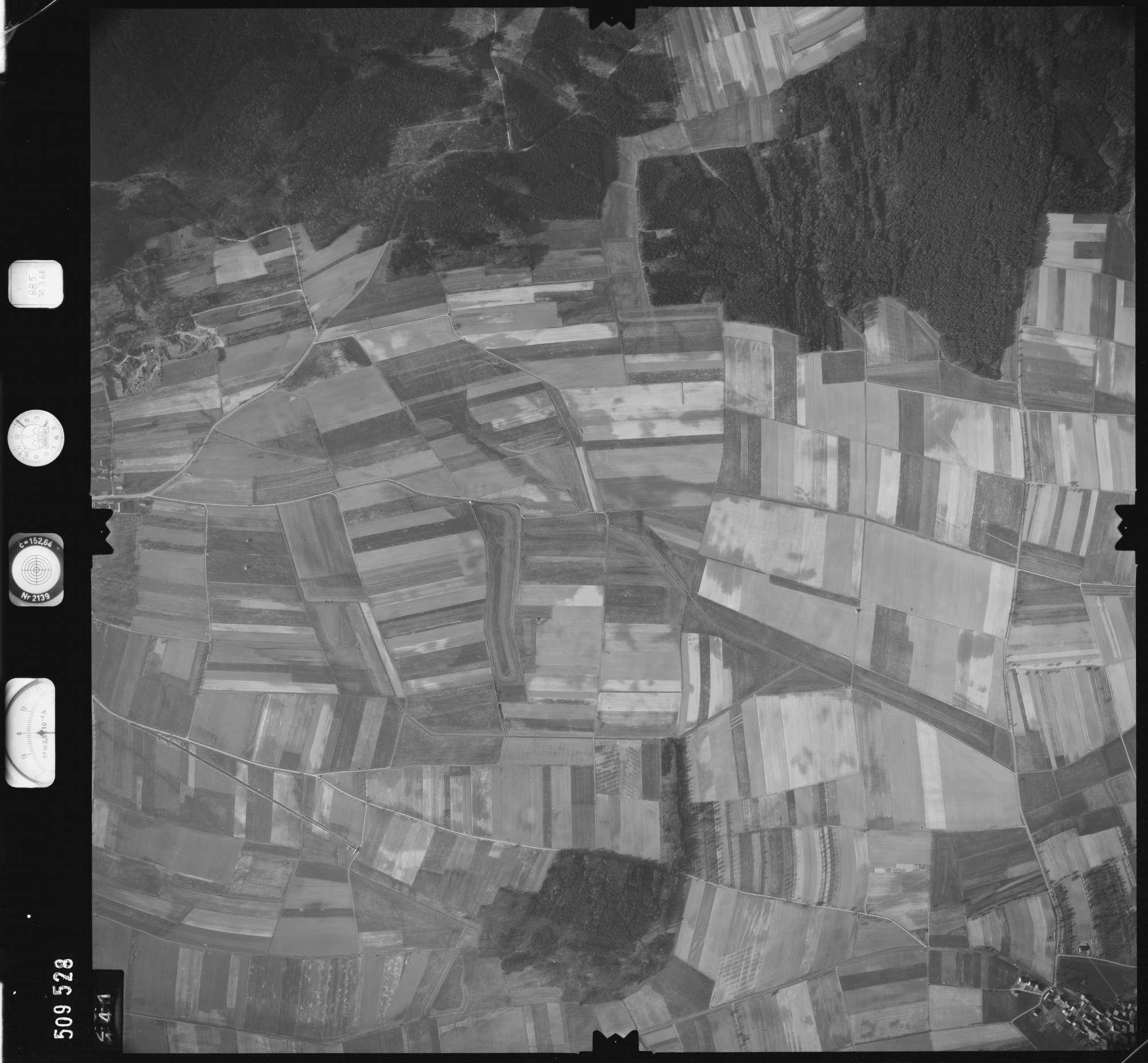 Luftbild: Film 885 Bildnr. 141, Bild 1