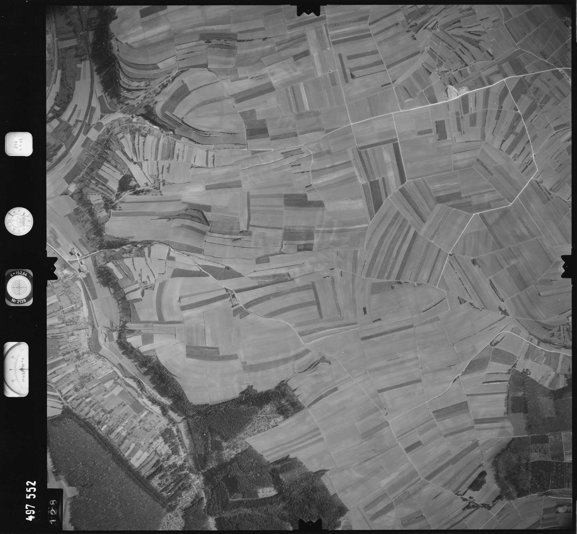Luftbild: Film 889 Bildnr. 128, Bild 1