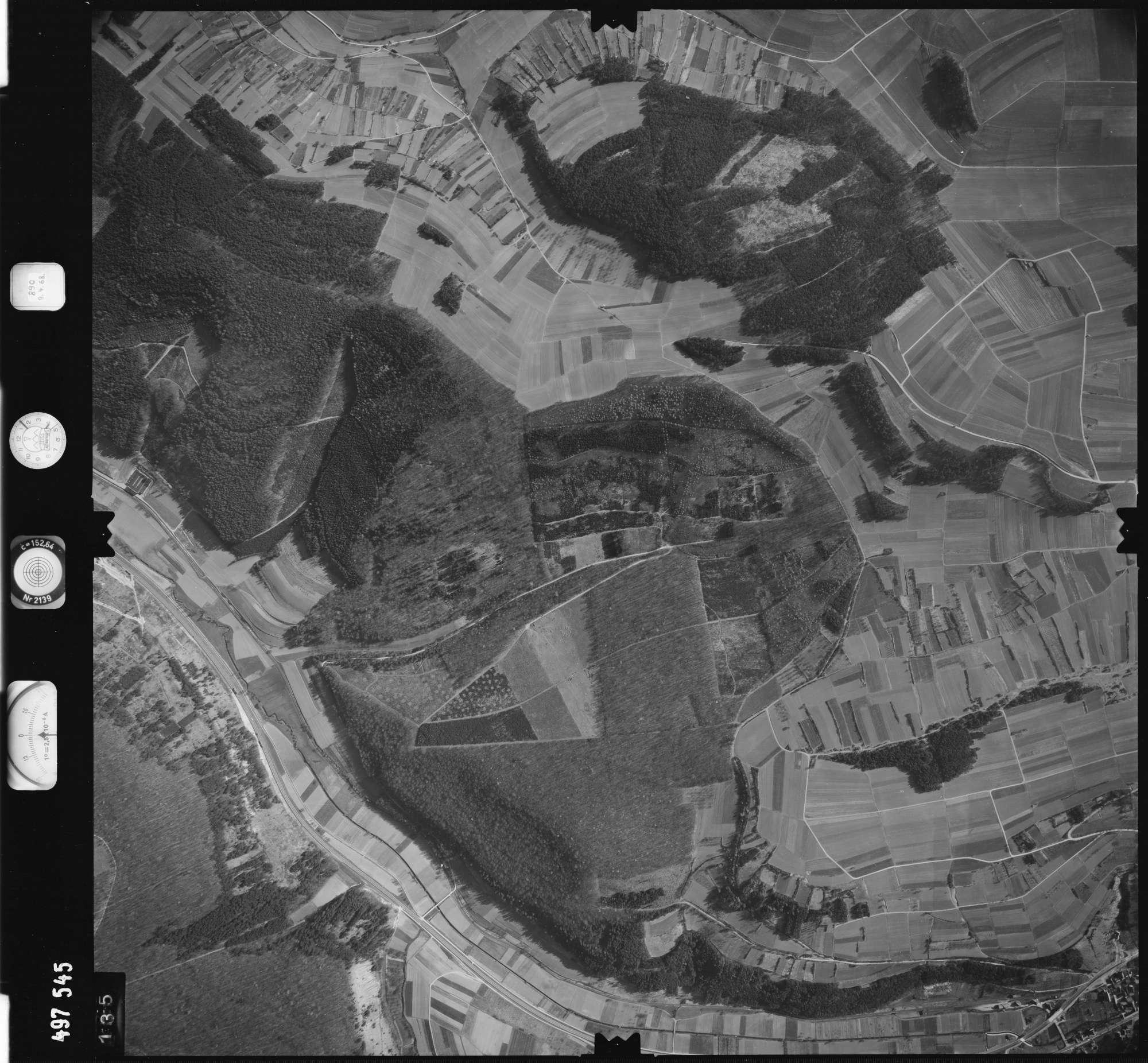 Luftbild: Film 889 Bildnr. 135, Bild 1