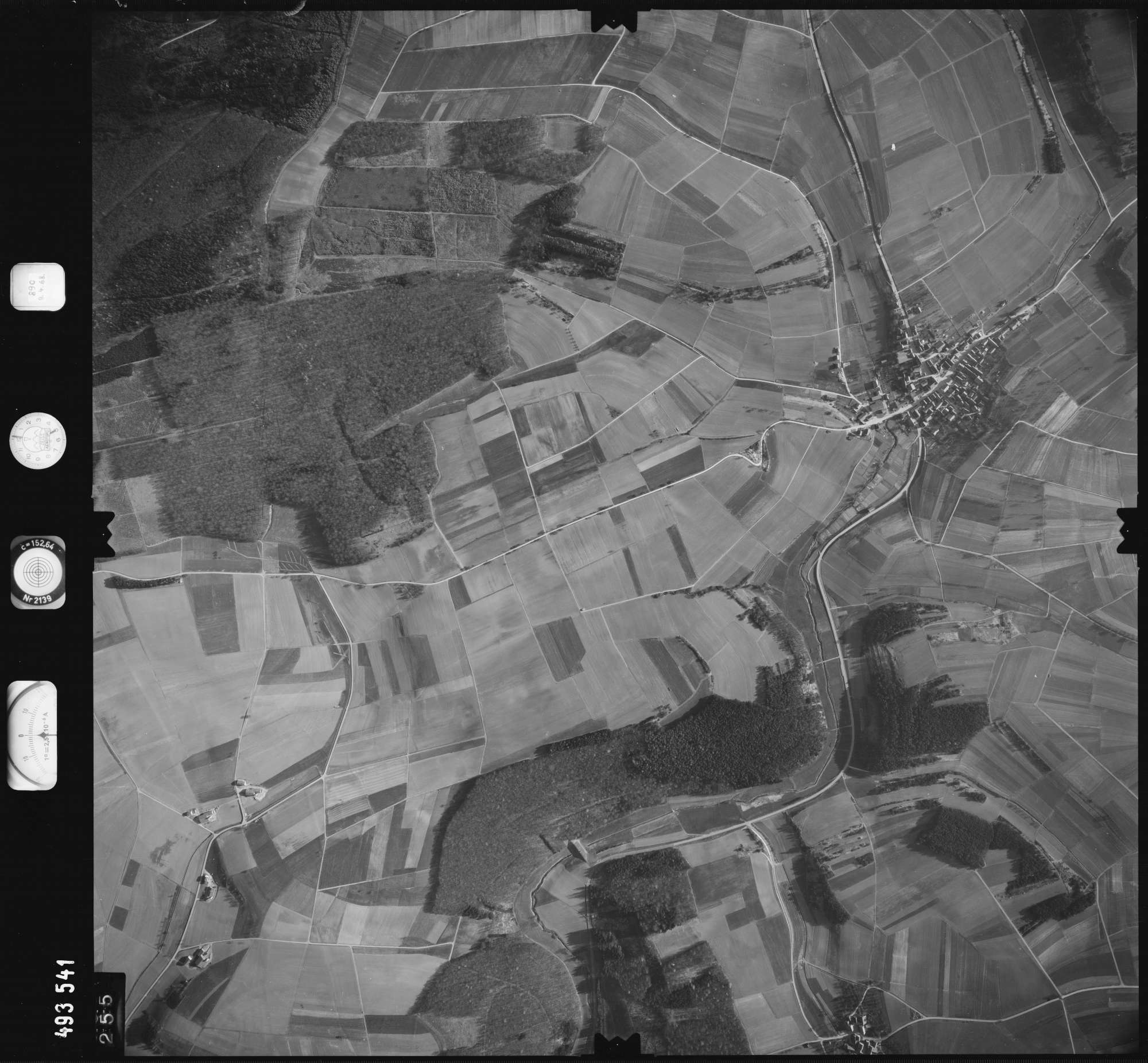Luftbild: Film 889 Bildnr. 255, Bild 1