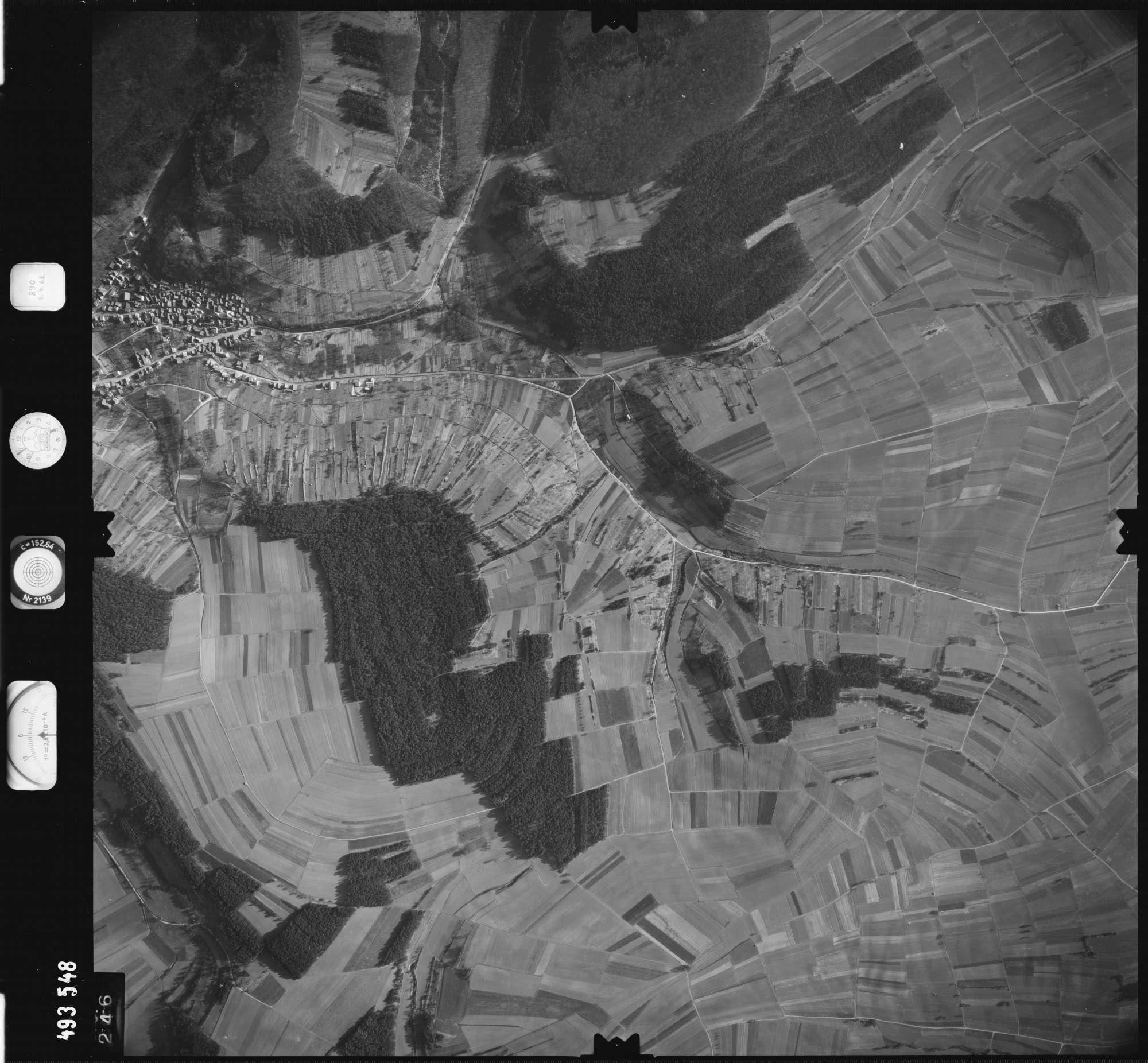Luftbild: Film 889 Bildnr. 246, Bild 1