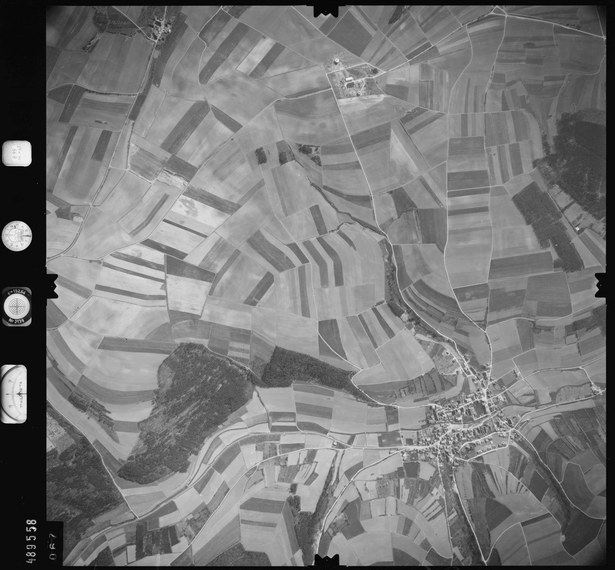 Luftbild: Film 895 Bildnr. 67, Bild 1