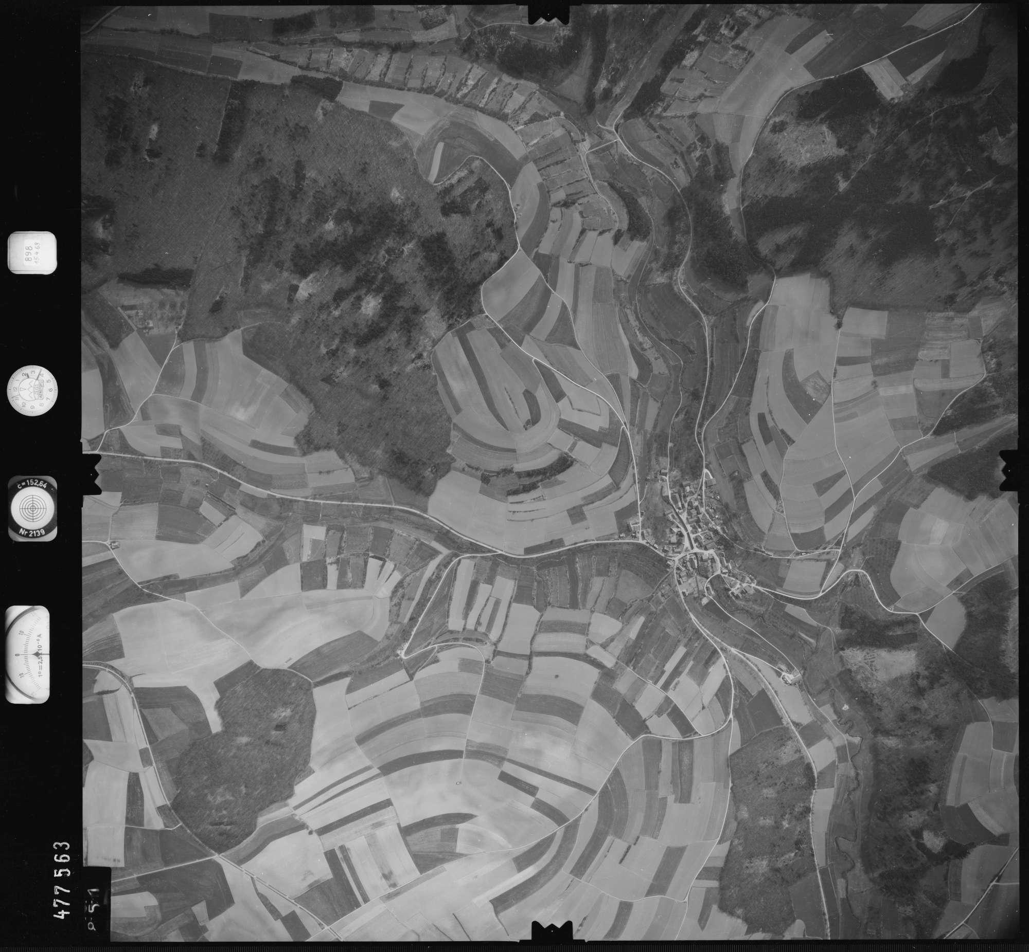 Luftbild: Film 898 Bildnr. 851, Bild 1