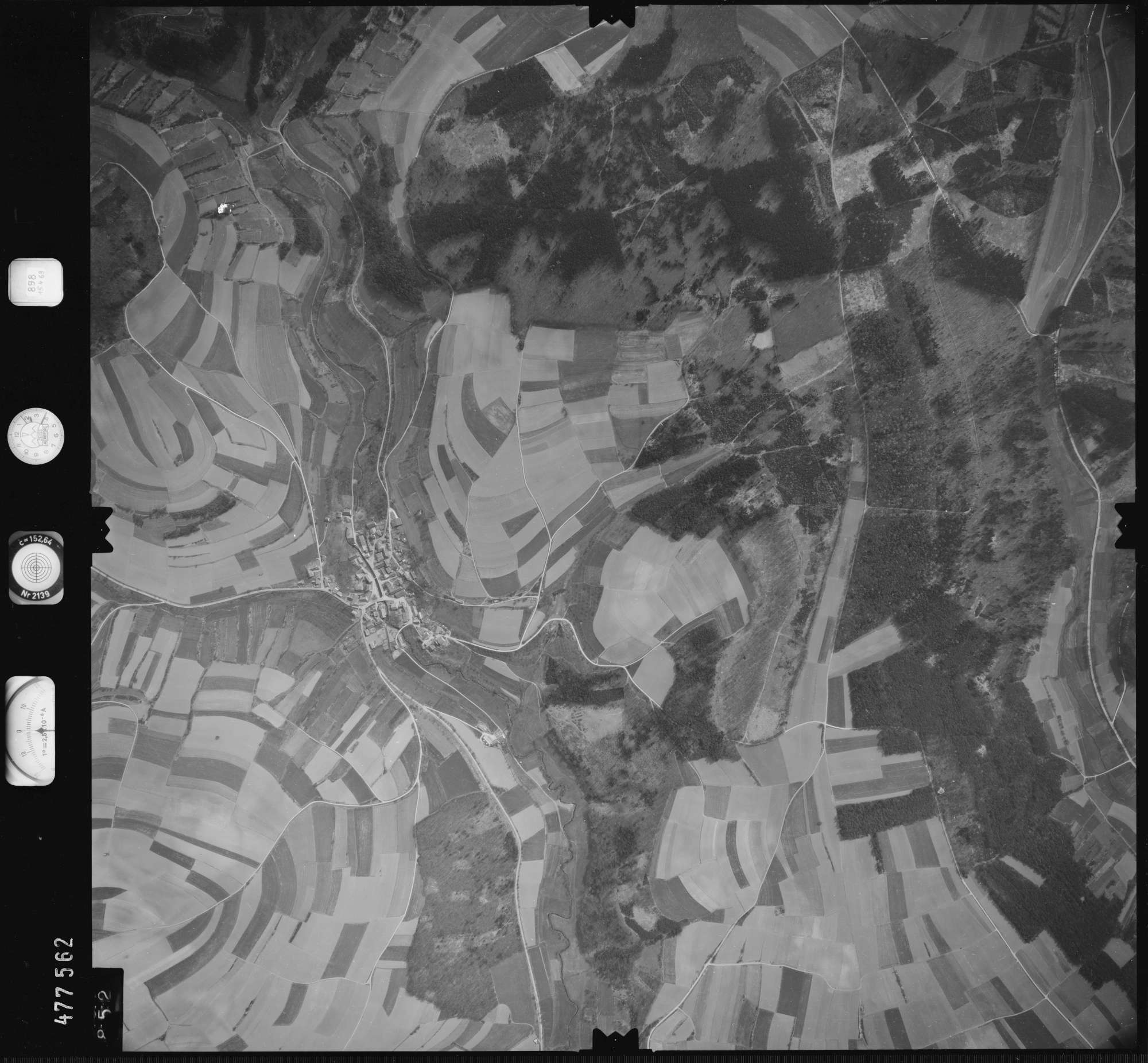 Luftbild: Film 898 Bildnr. 852, Bild 1