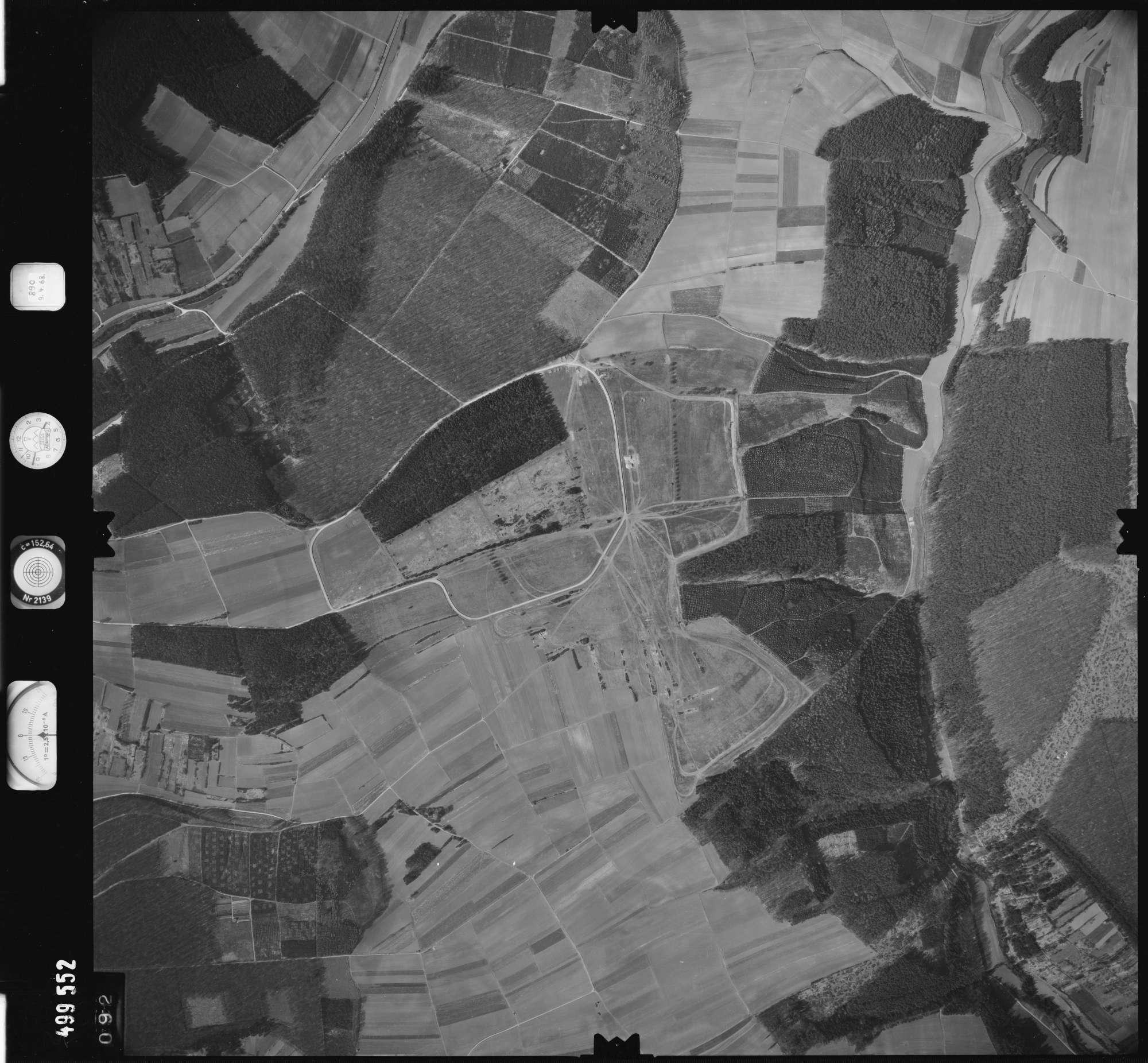 Luftbild: Film 889 Bildnr. 92, Bild 1