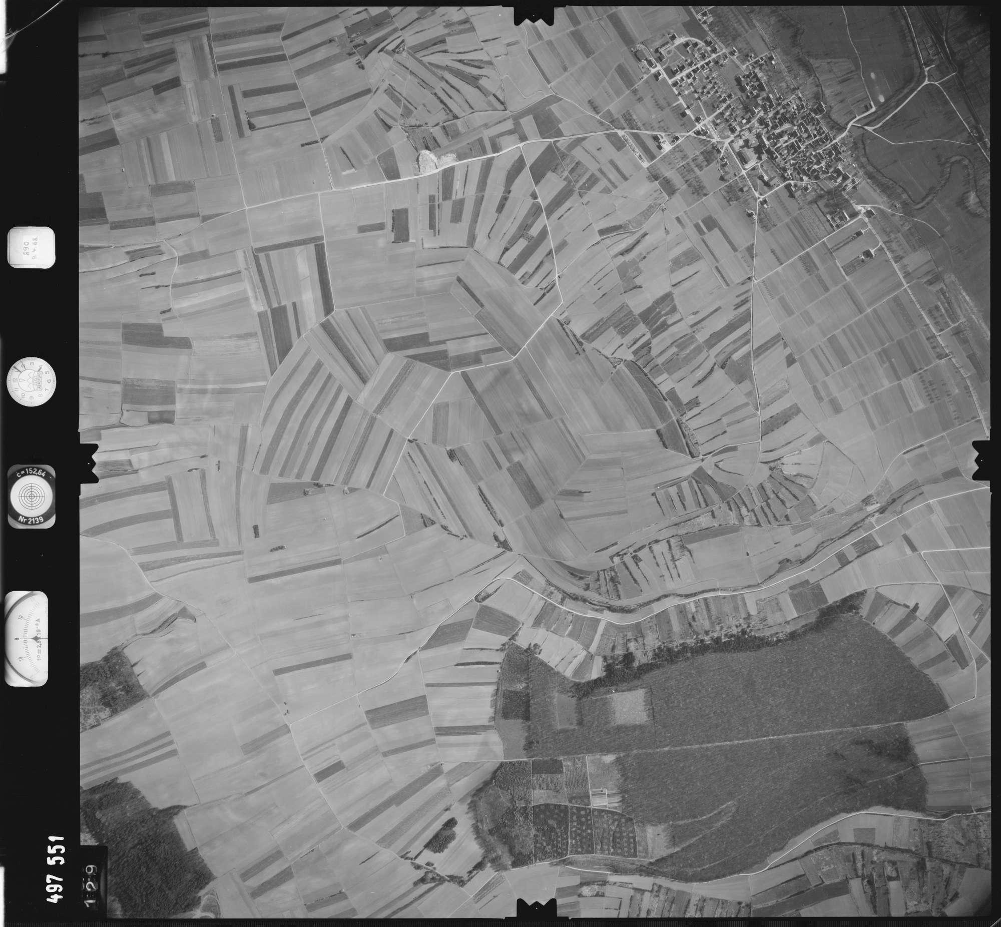 Luftbild: Film 889 Bildnr. 129, Bild 1