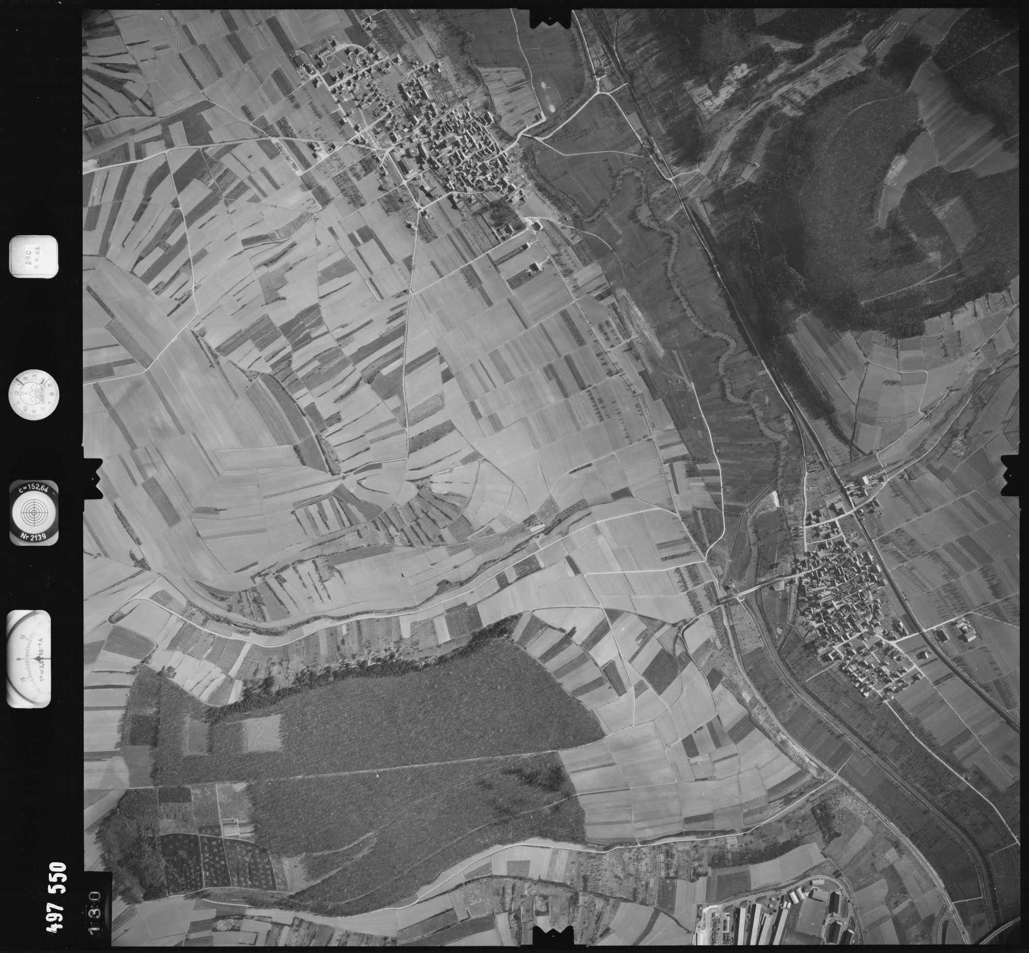 Luftbild: Film 889 Bildnr. 130, Bild 1