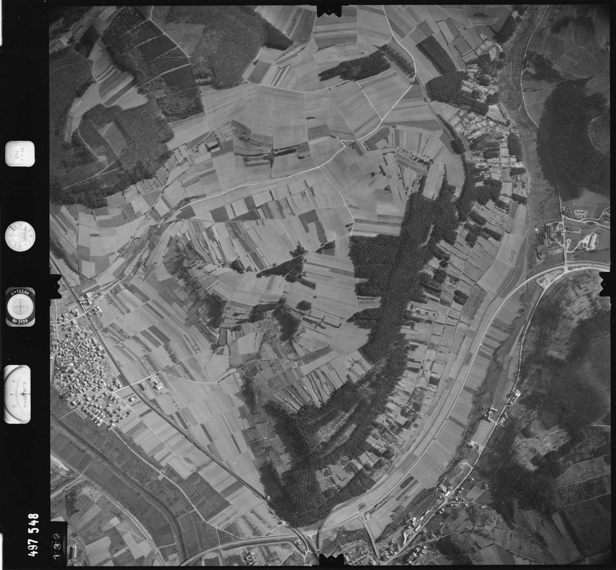 Luftbild: Film 889 Bildnr. 132, Bild 1