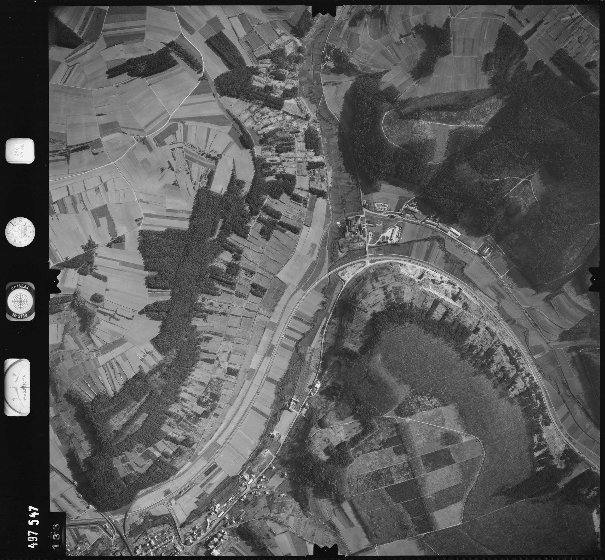Luftbild: Film 889 Bildnr. 133, Bild 1