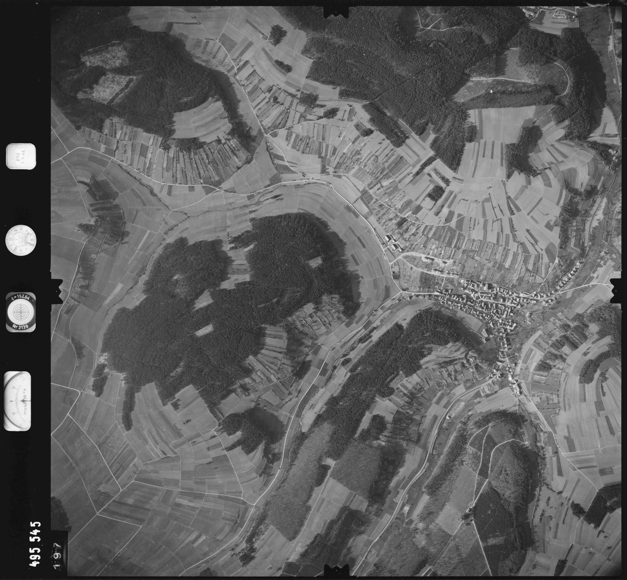 Luftbild: Film 889 Bildnr. 197, Bild 1