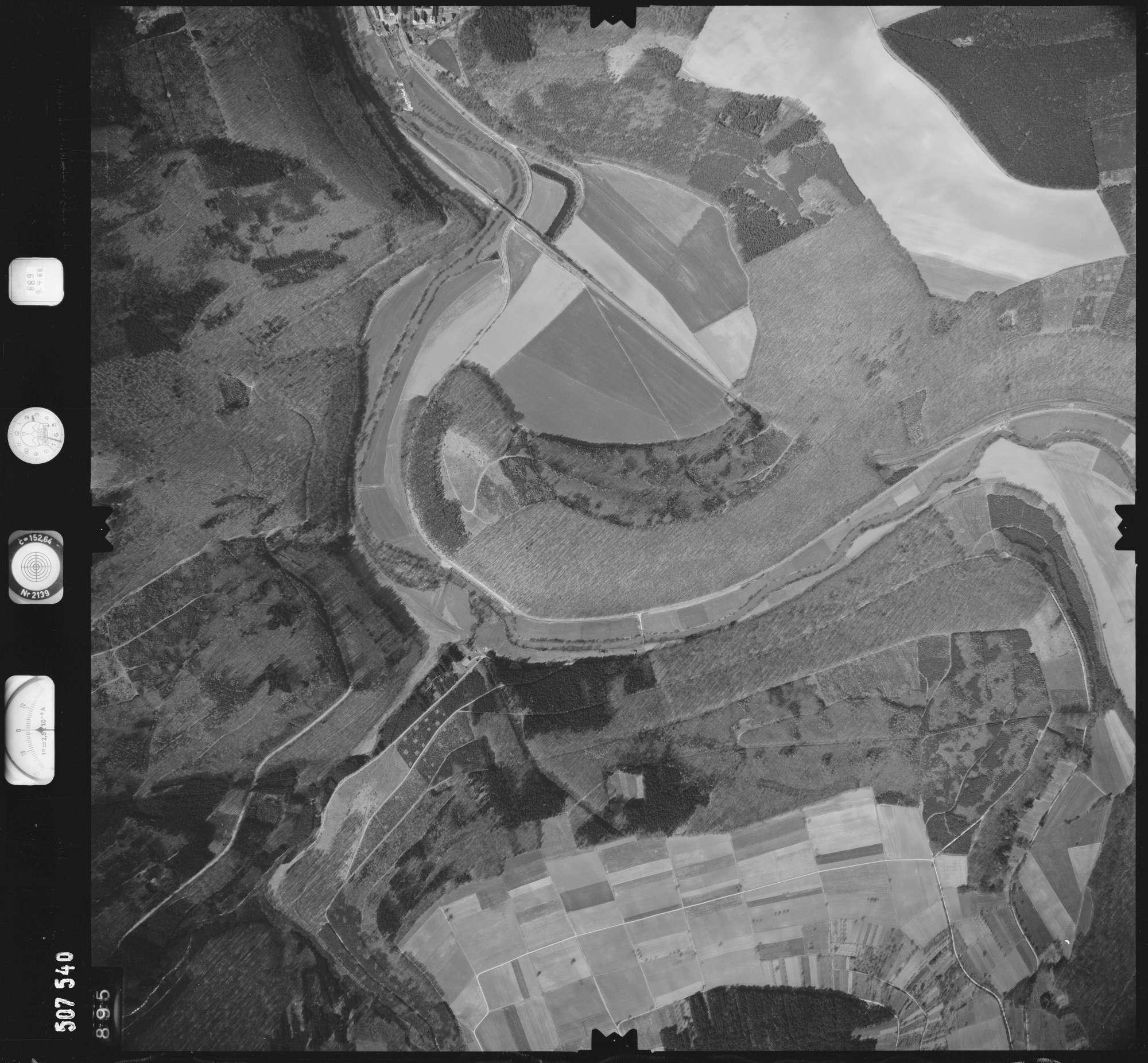 Luftbild: Film 890 Bildnr. 895, Bild 1