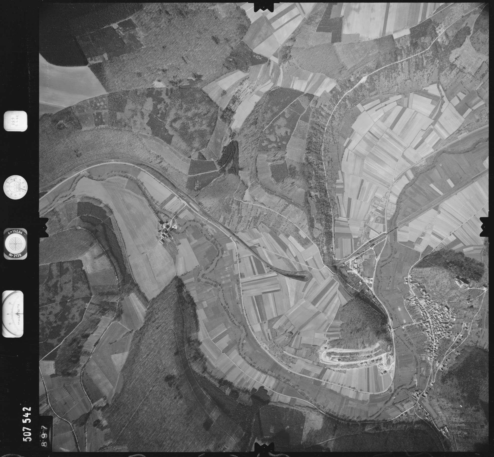 Luftbild: Film 890 Bildnr. 897, Bild 1
