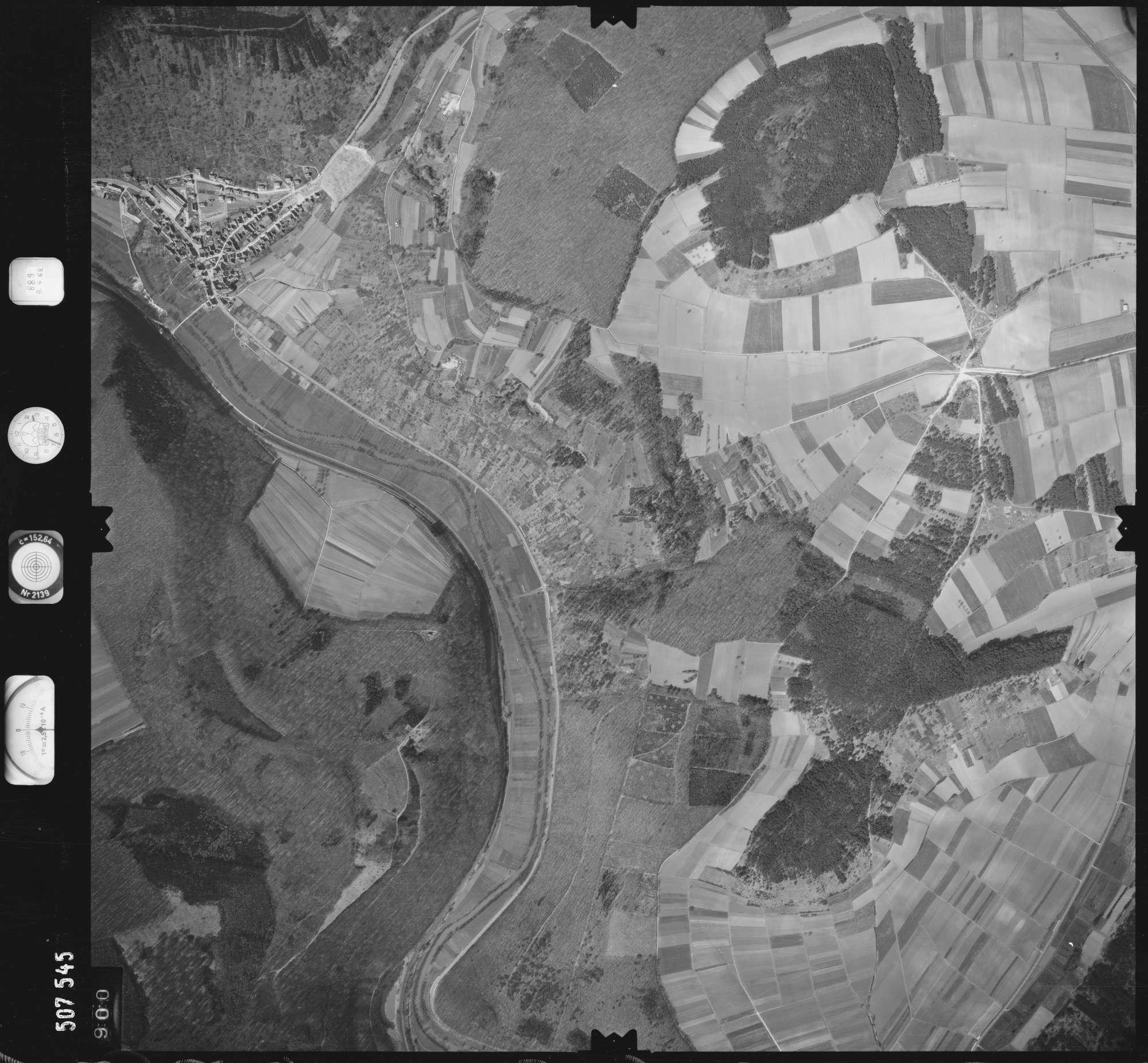 Luftbild: Film 890 Bildnr. 900, Bild 1