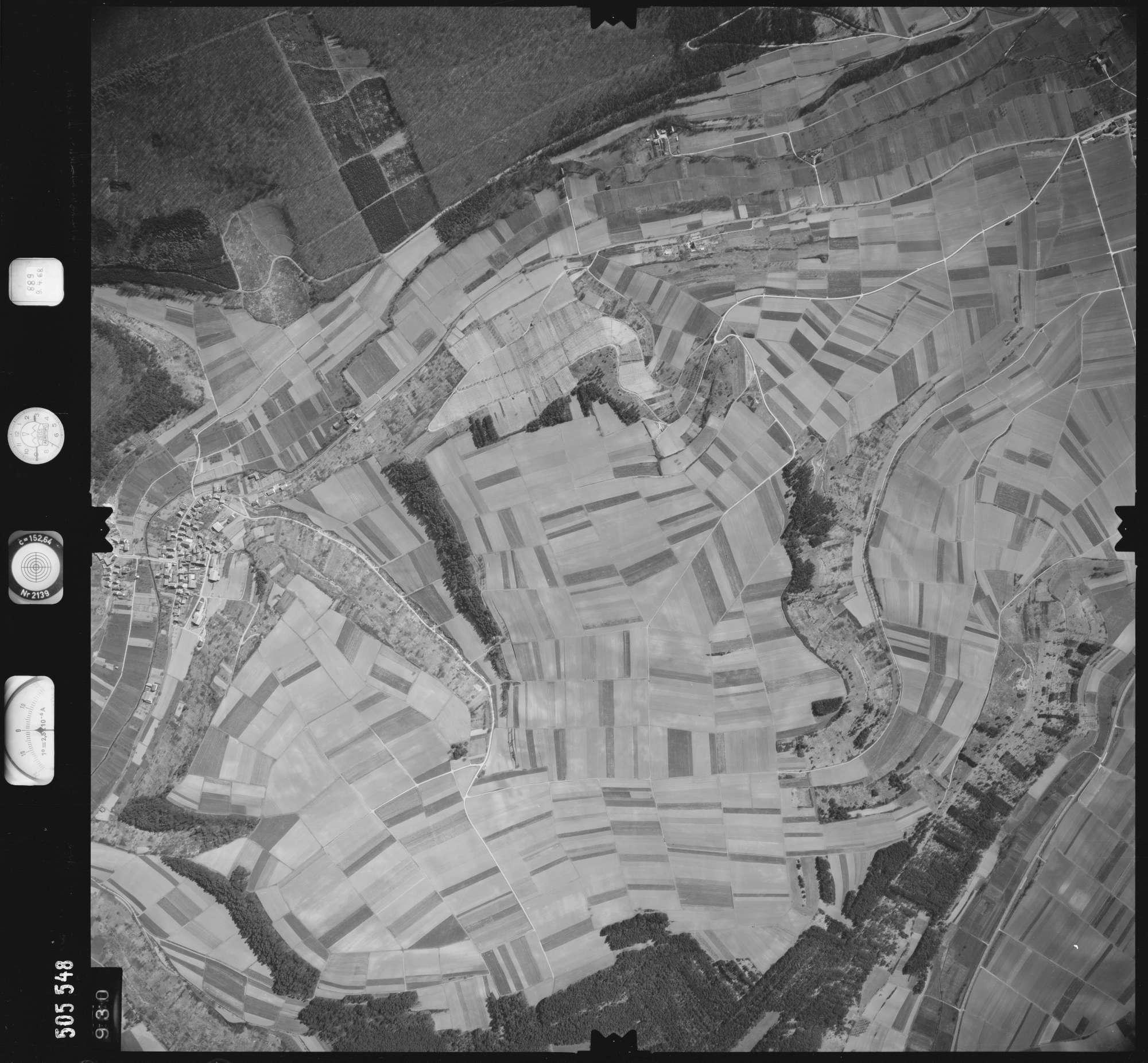 Luftbild: Film 890 Bildnr. 930, Bild 1