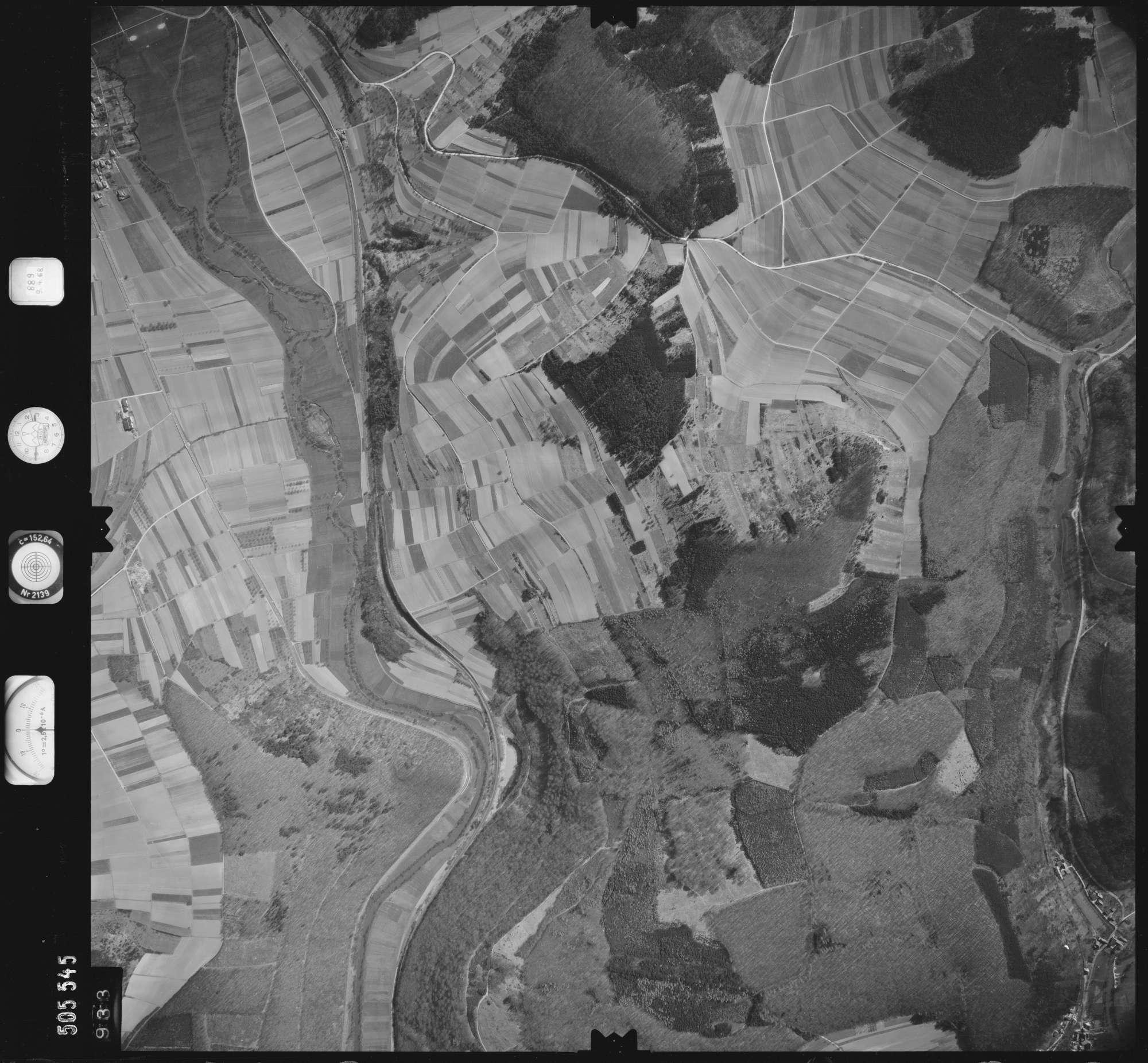 Luftbild: Film 890 Bildnr. 933, Bild 1