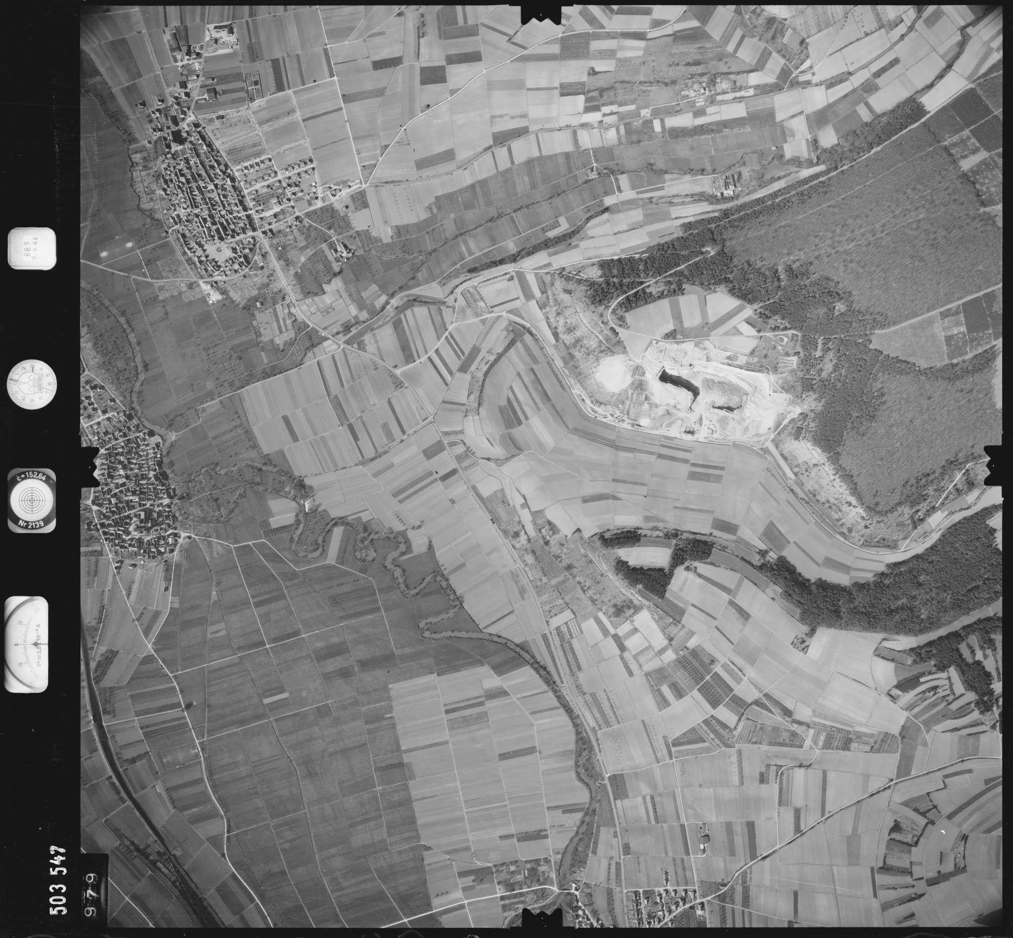 Luftbild: Film 890 Bildnr. 979, Bild 1