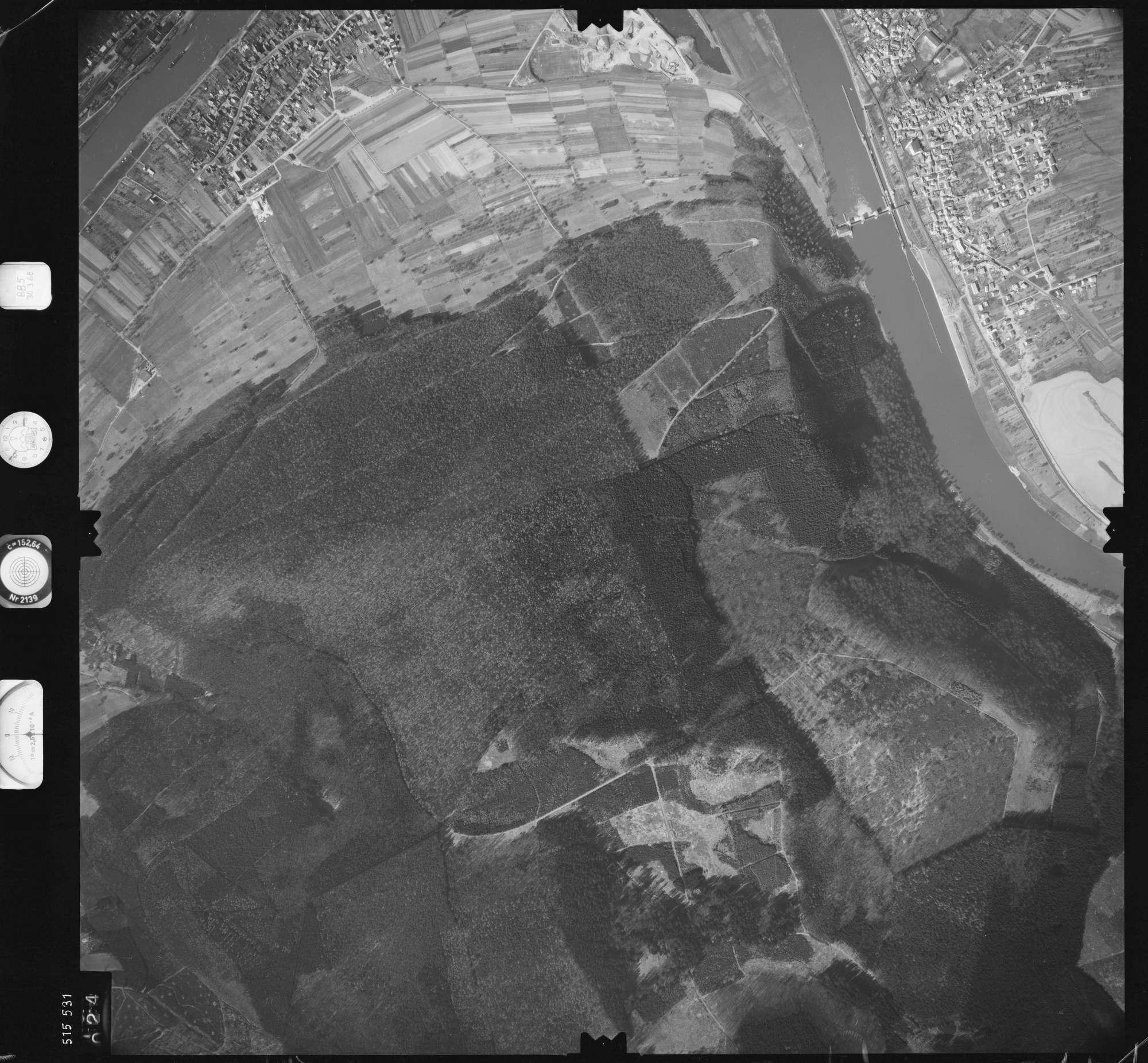 Luftbild: Film 885 Bildnr. 24, Bild 1