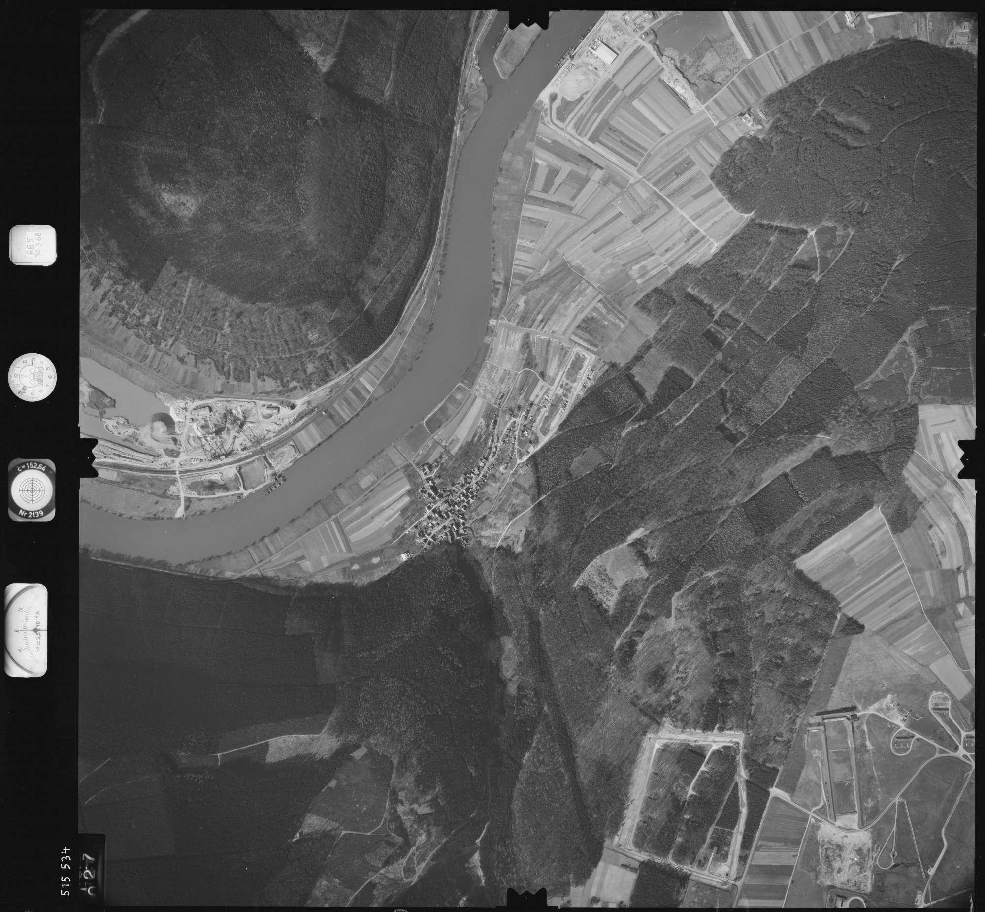 Luftbild: Film 885 Bildnr. 27, Bild 1