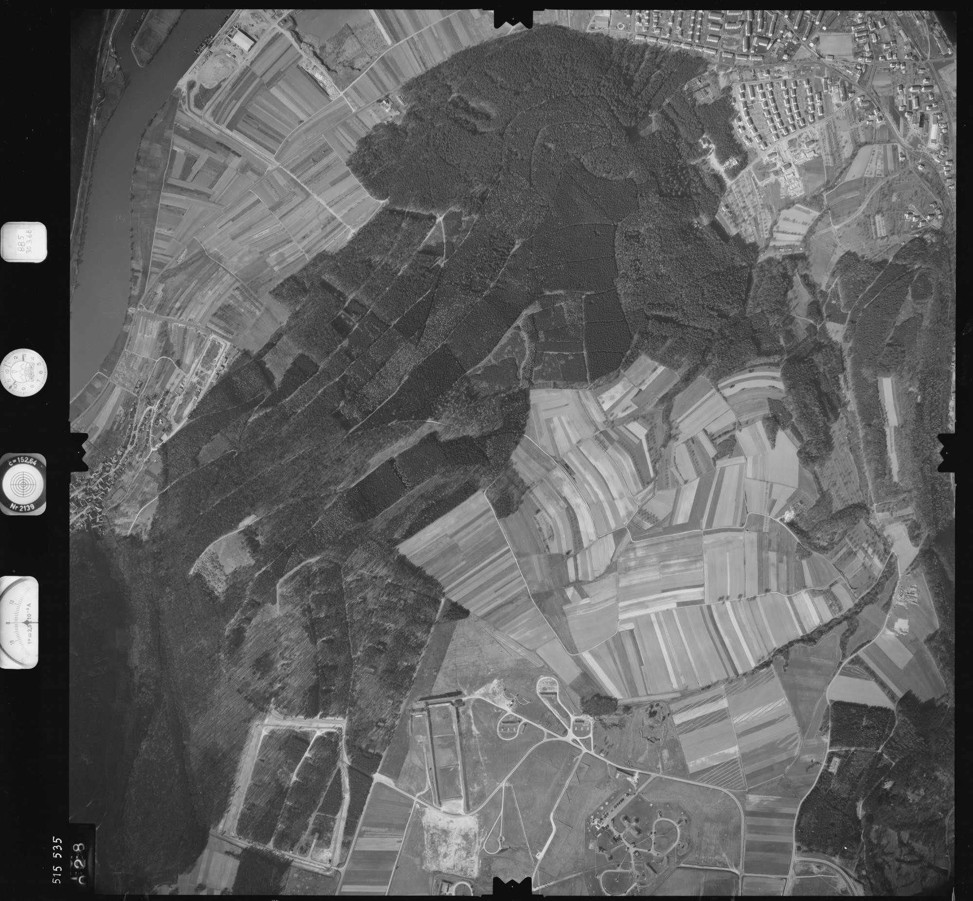 Luftbild: Film 885 Bildnr. 28, Bild 1