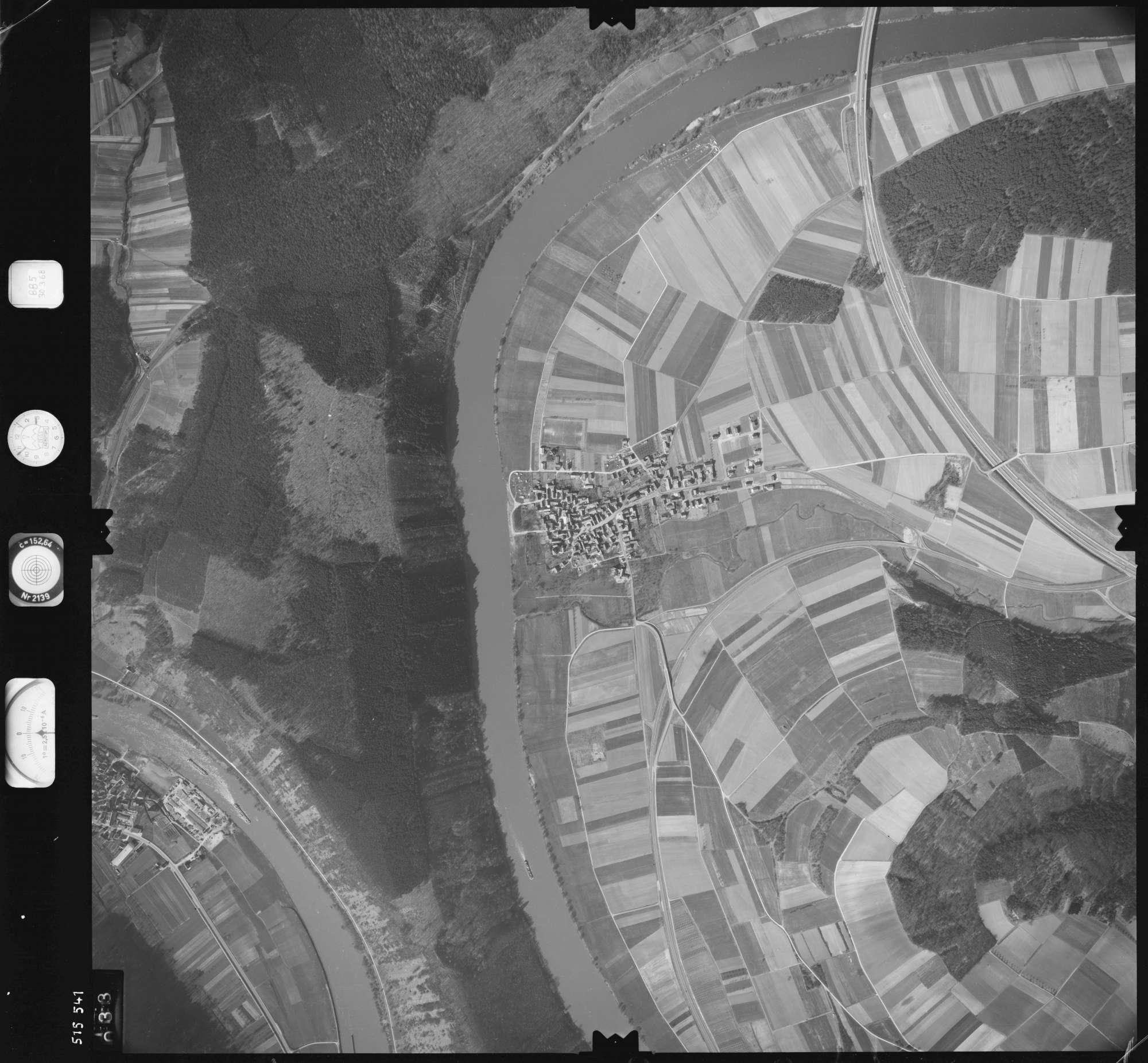 Luftbild: Film 885 Bildnr. 33, Bild 1