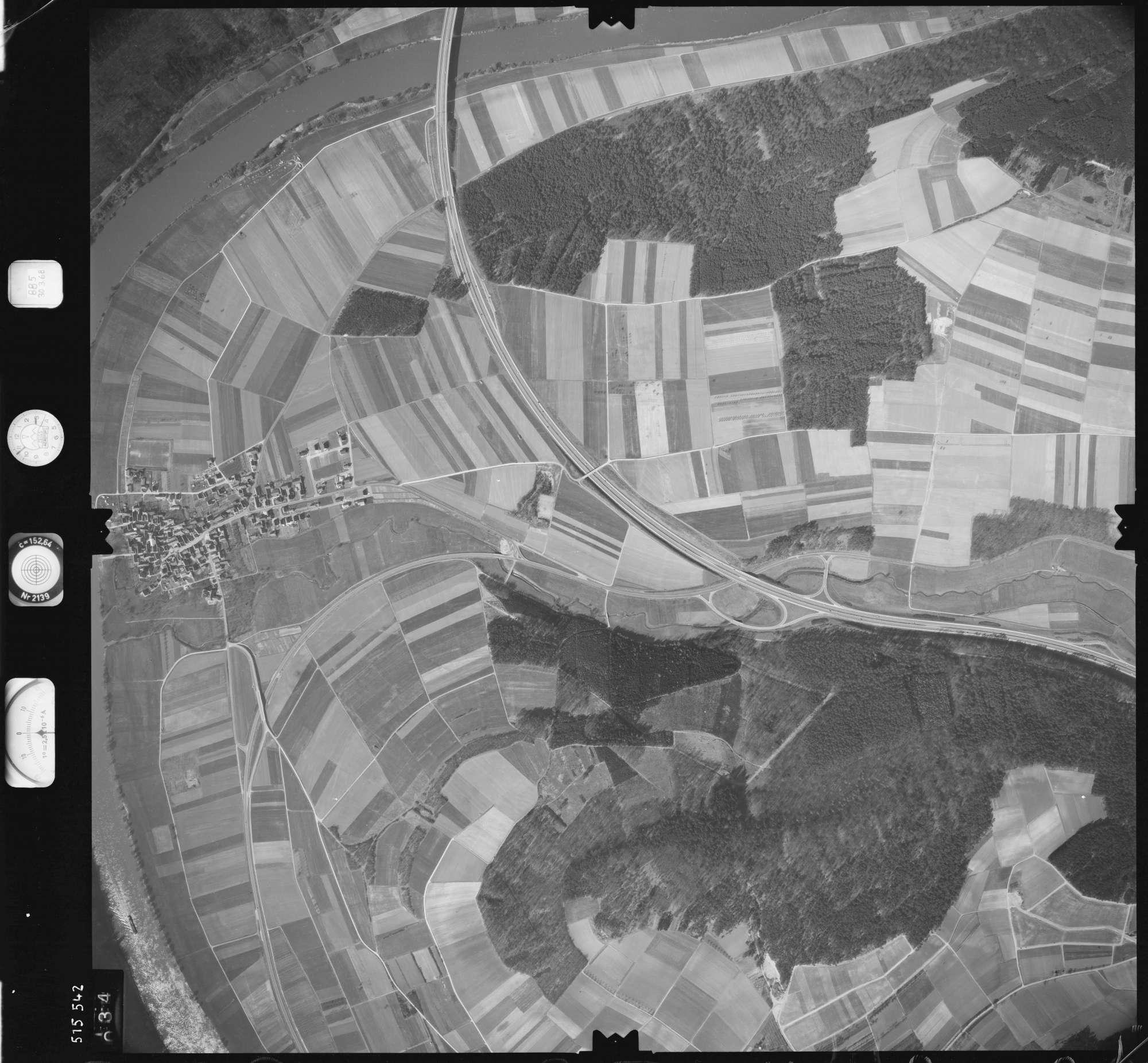 Luftbild: Film 885 Bildnr. 34, Bild 1