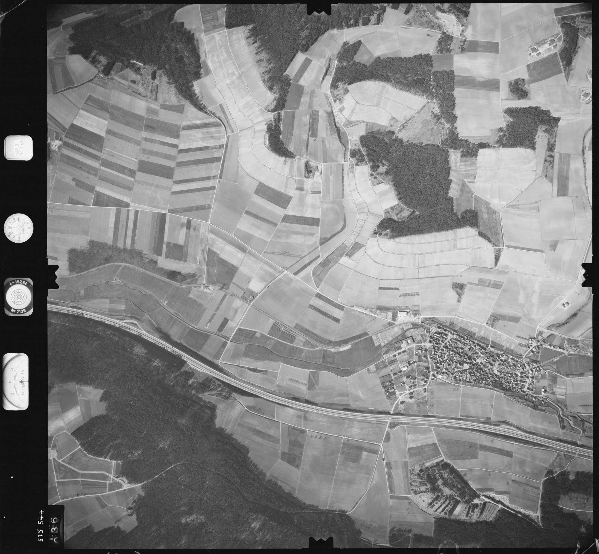 Luftbild: Film 885 Bildnr. 36, Bild 1