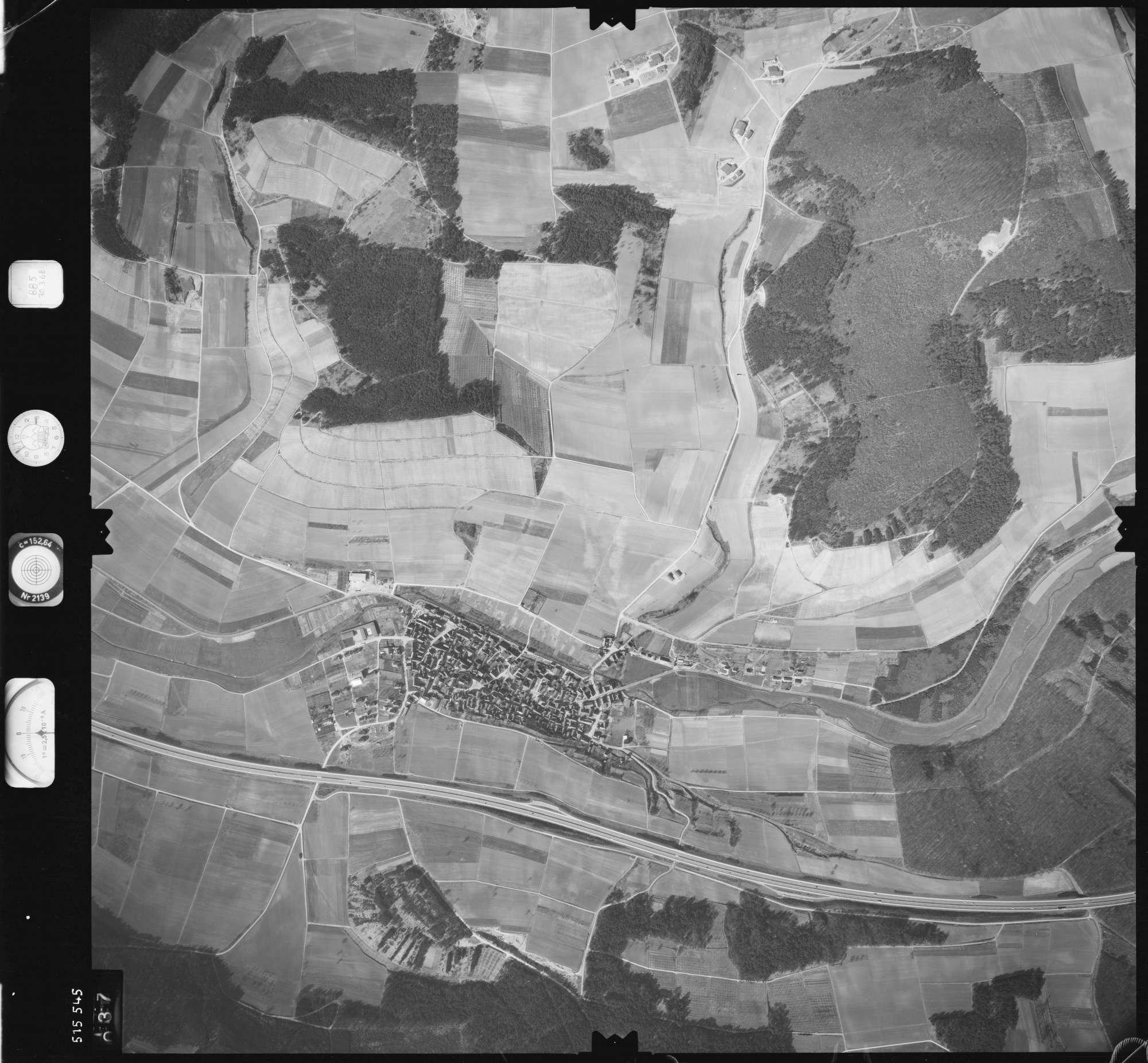 Luftbild: Film 885 Bildnr. 37, Bild 1