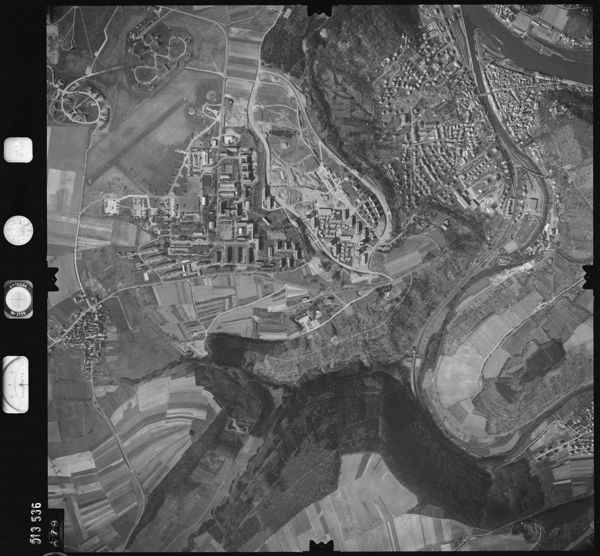 Luftbild: Film 885 Bildnr. 79, Bild 1