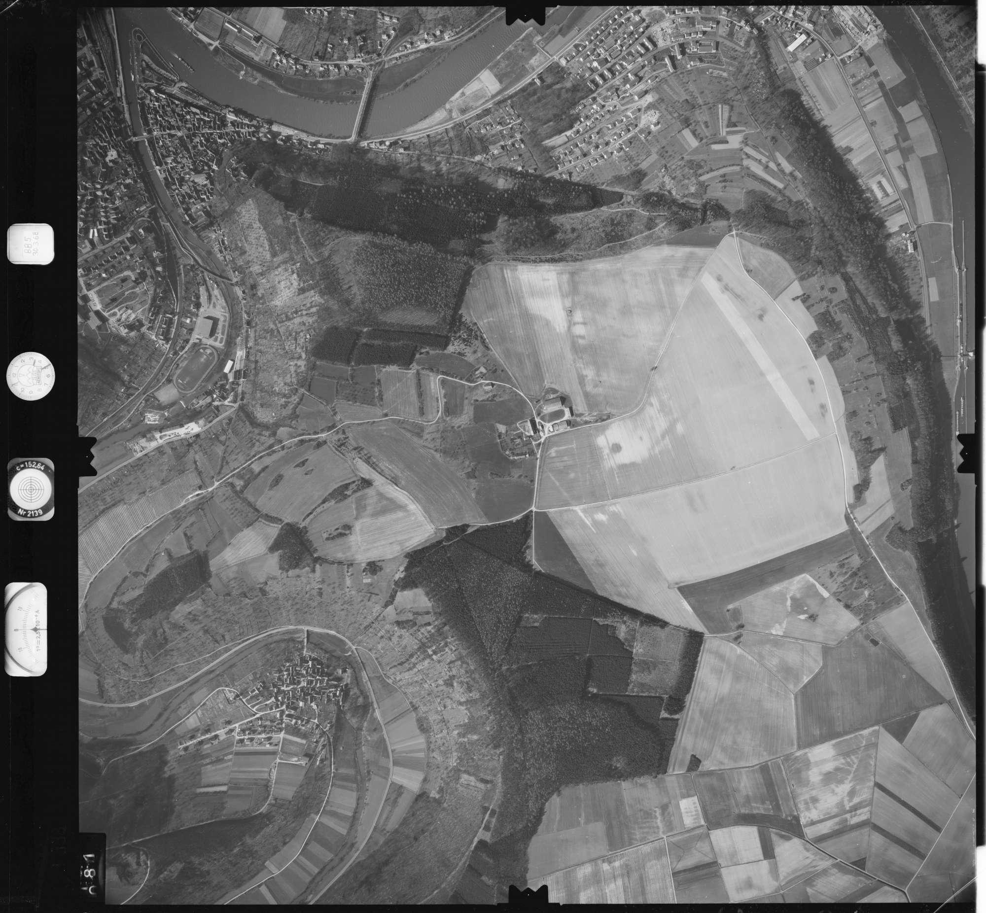 Luftbild: Film 885 Bildnr. 81, Bild 1