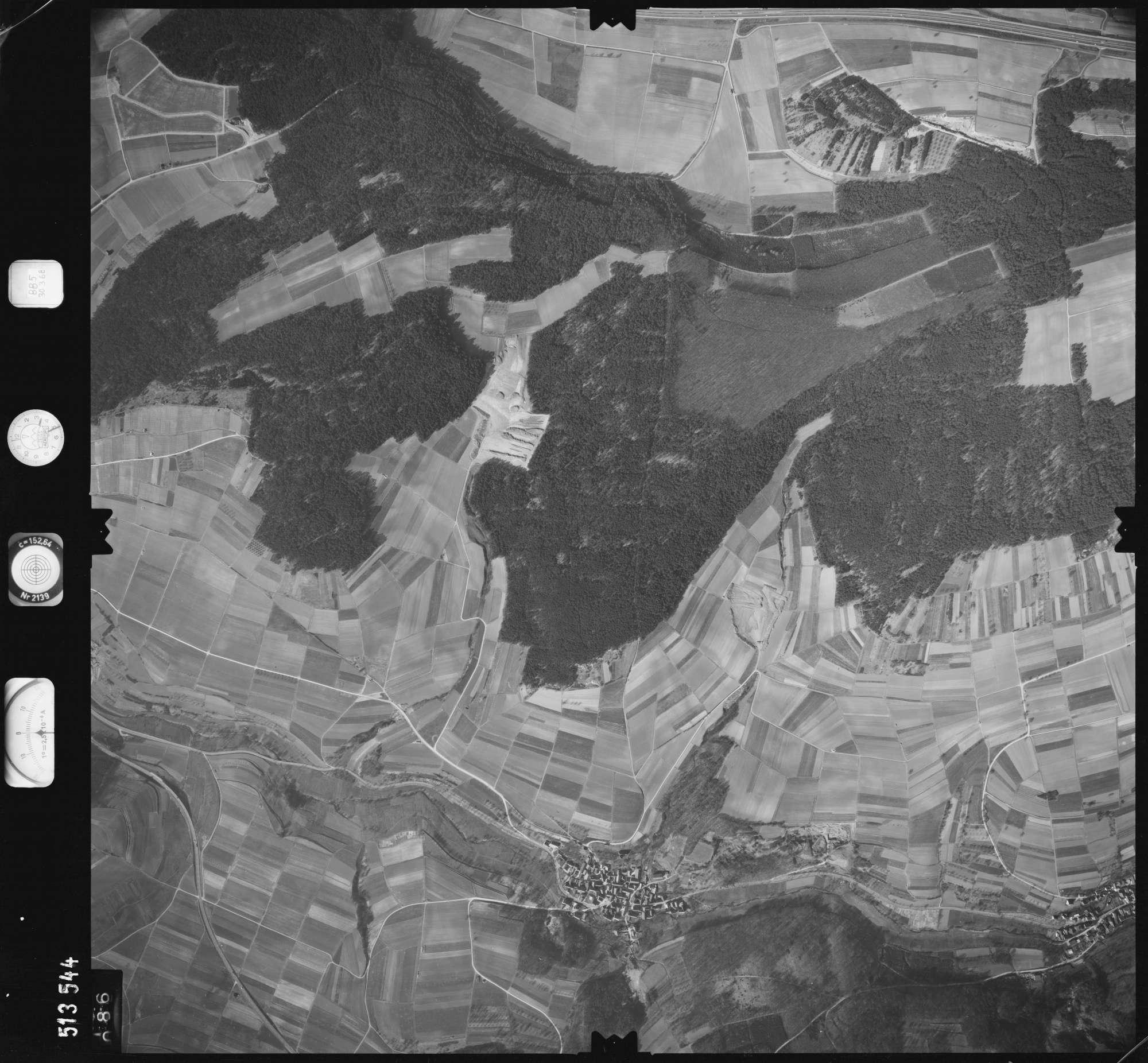 Luftbild: Film 885 Bildnr. 86, Bild 1