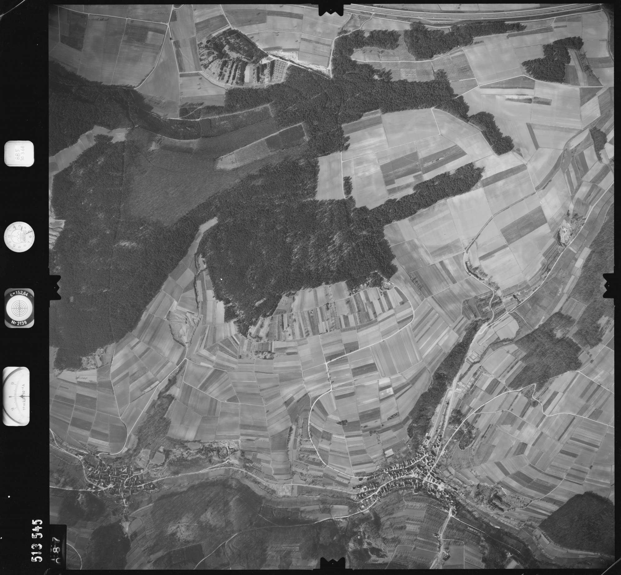 Luftbild: Film 885 Bildnr. 87, Bild 1