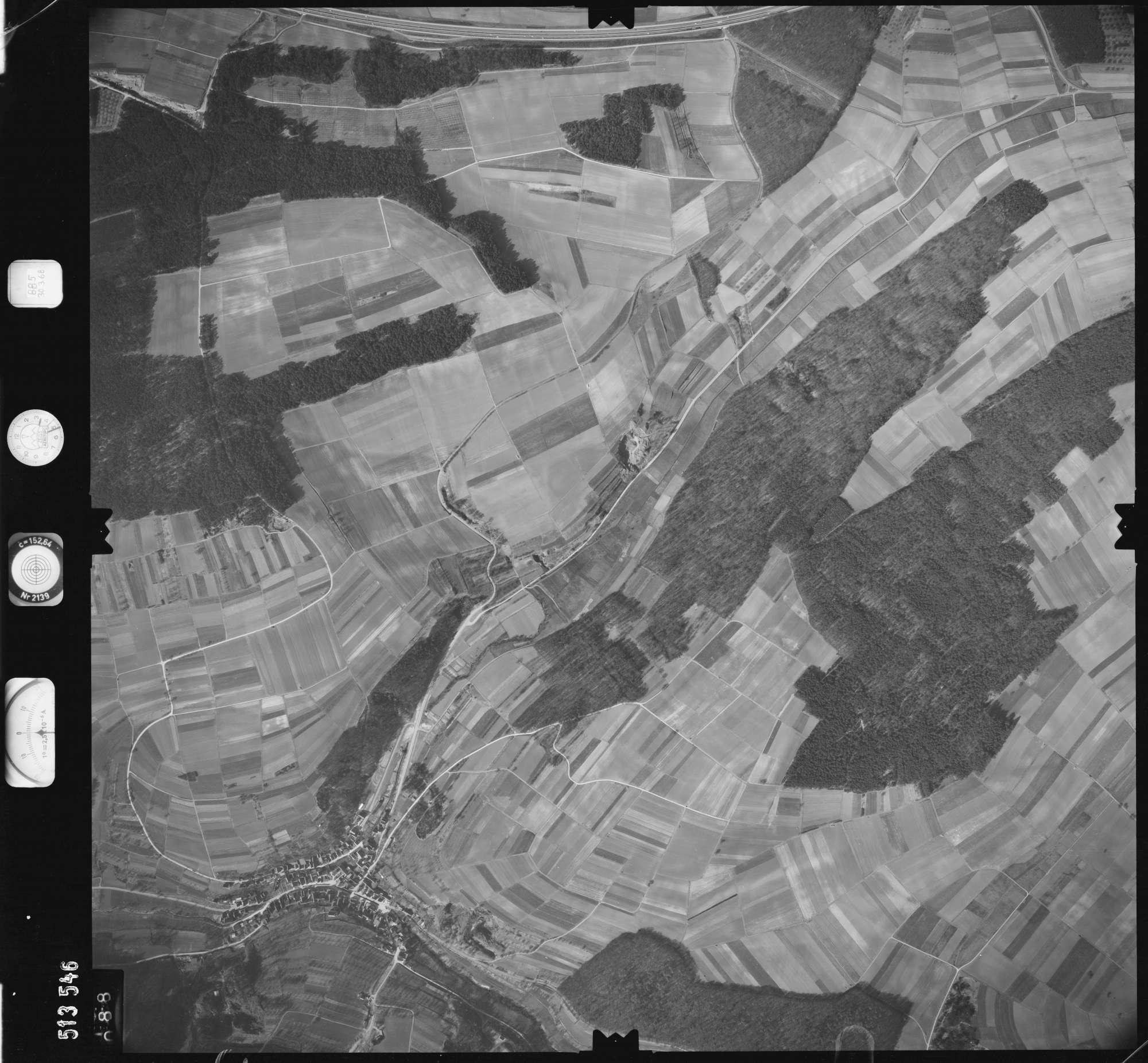 Luftbild: Film 885 Bildnr. 88, Bild 1