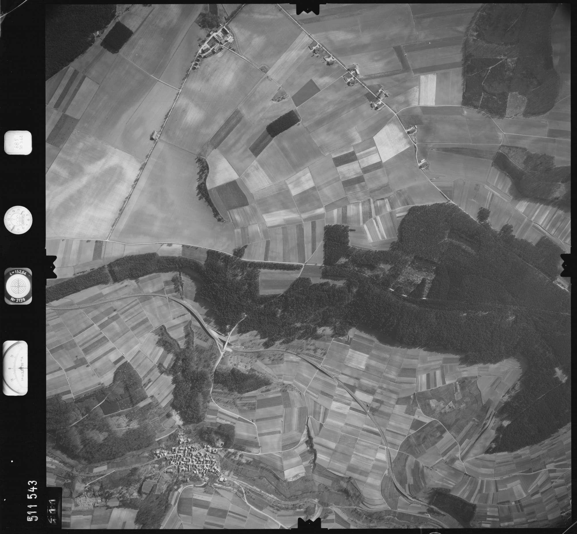 Luftbild: Film 885 Bildnr. 111, Bild 1