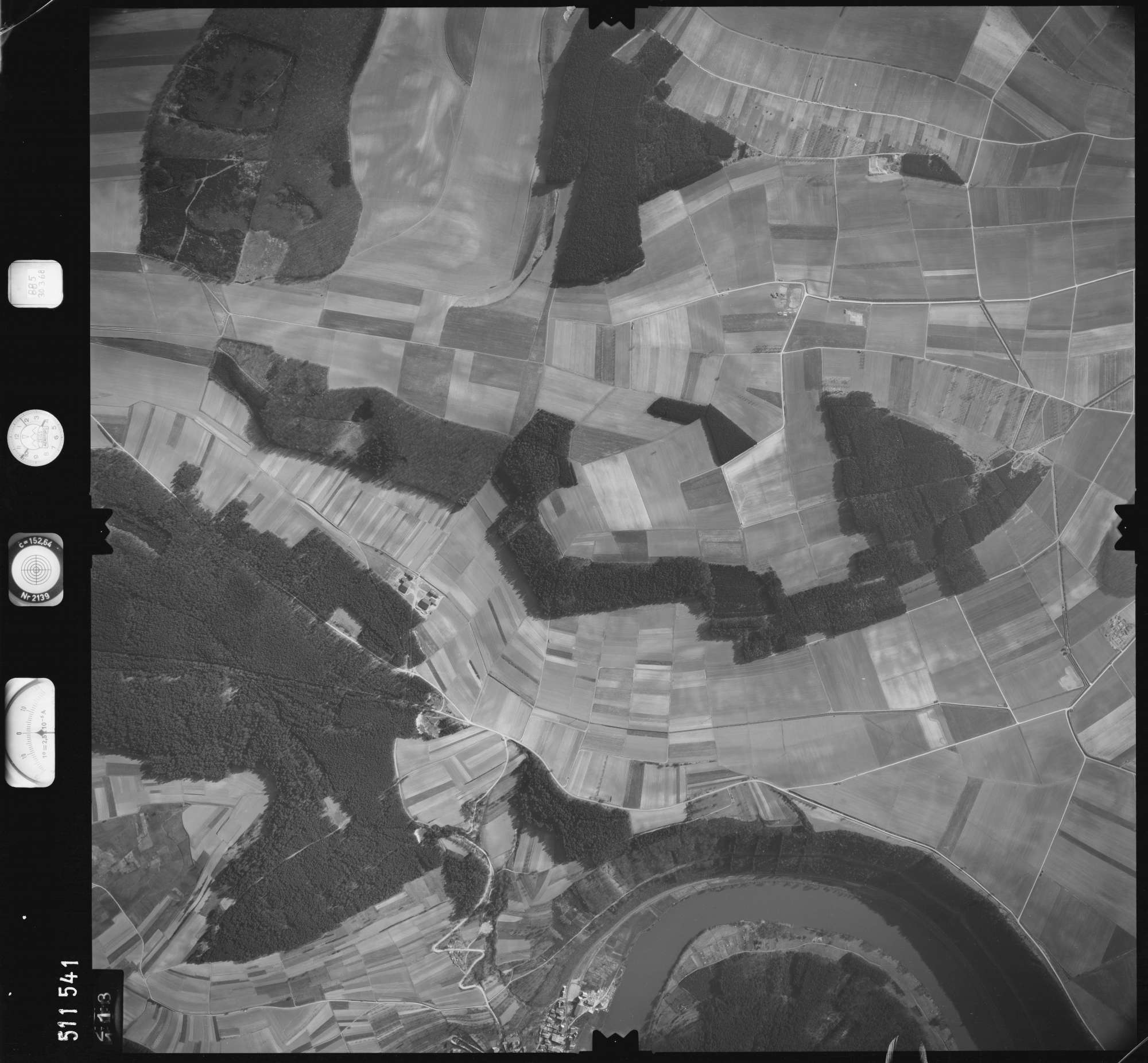 Luftbild: Film 885 Bildnr. 113, Bild 1