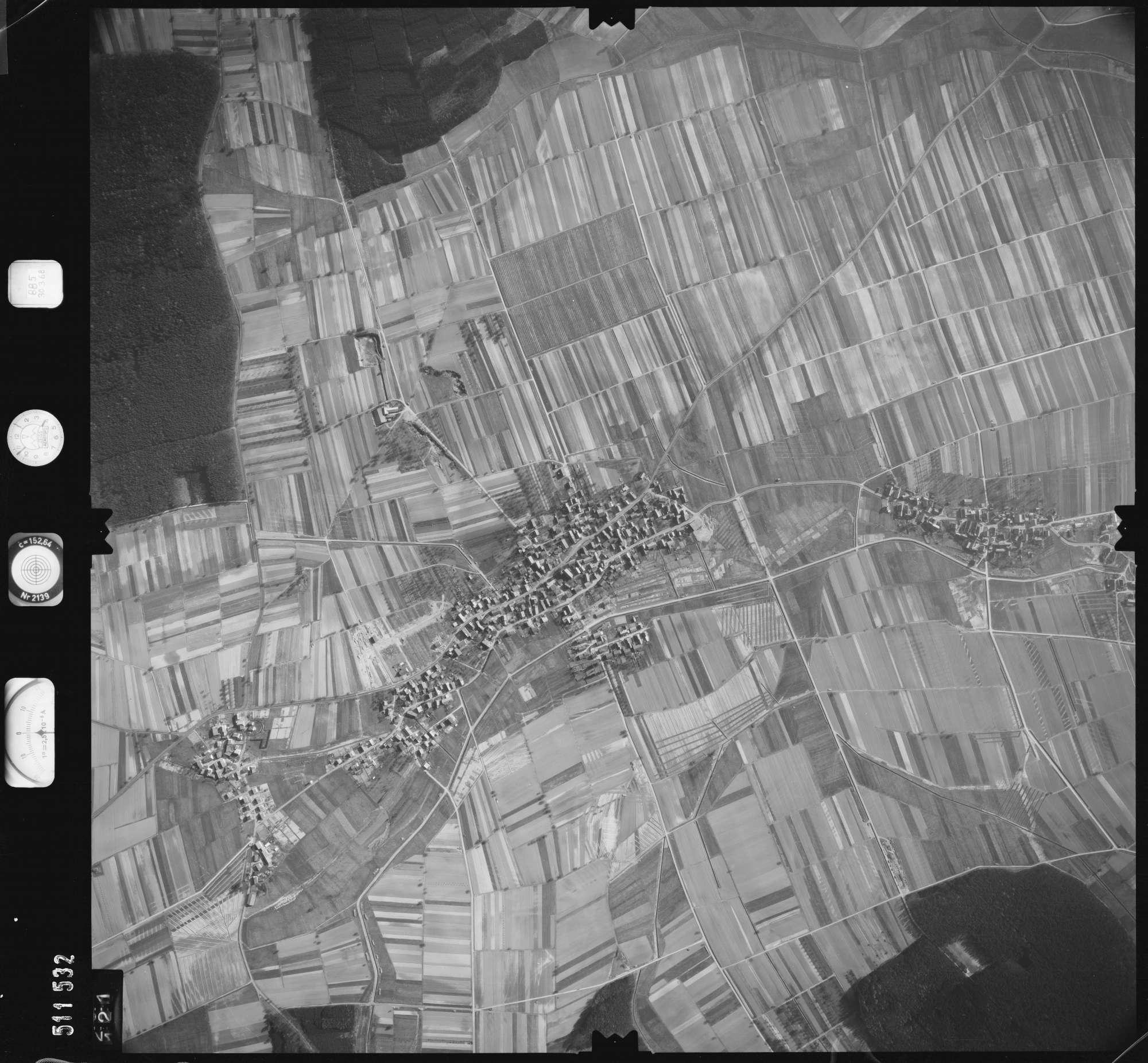 Luftbild: Film 885 Bildnr. 121, Bild 1