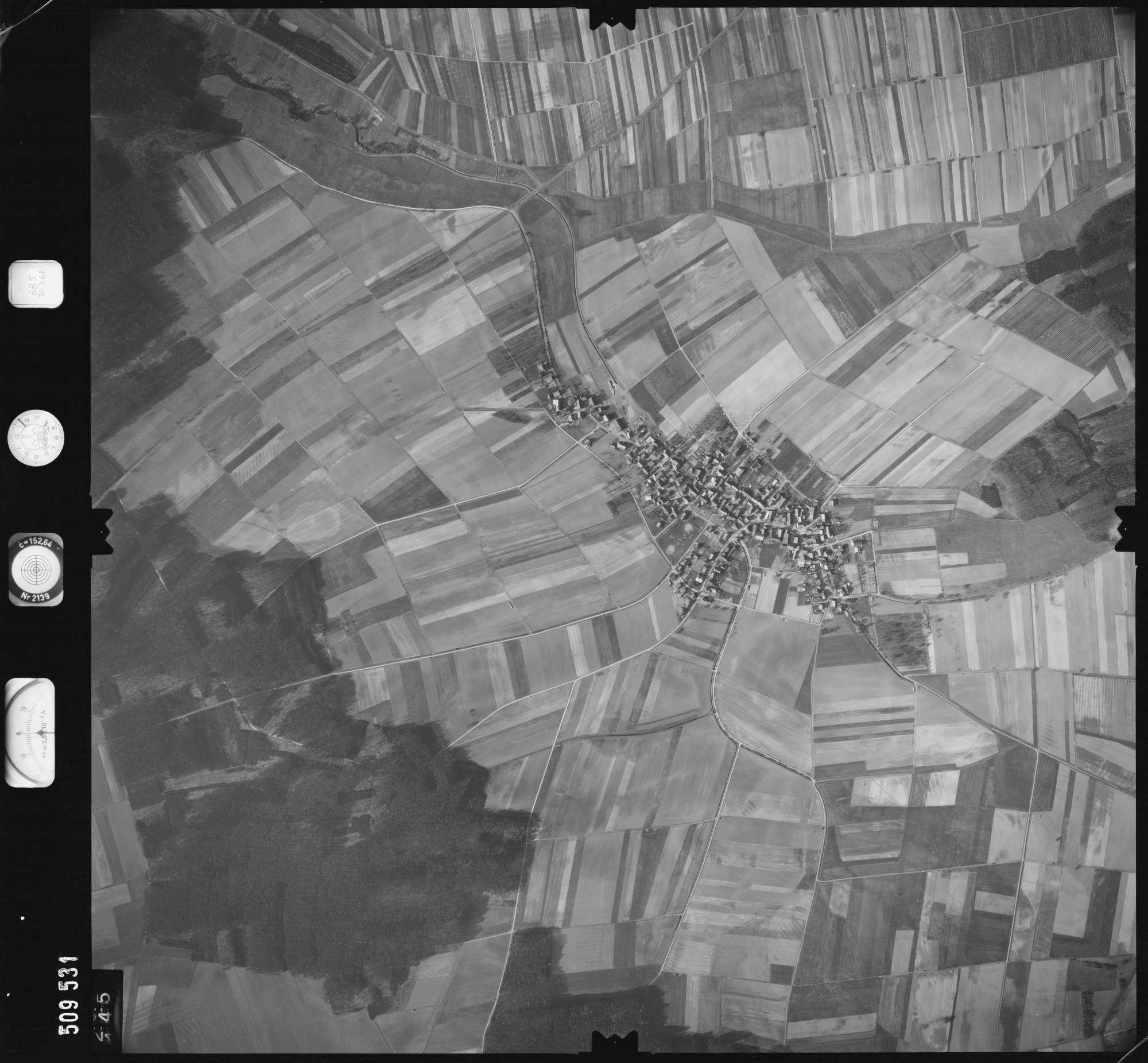 Luftbild: Film 885 Bildnr. 145, Bild 1