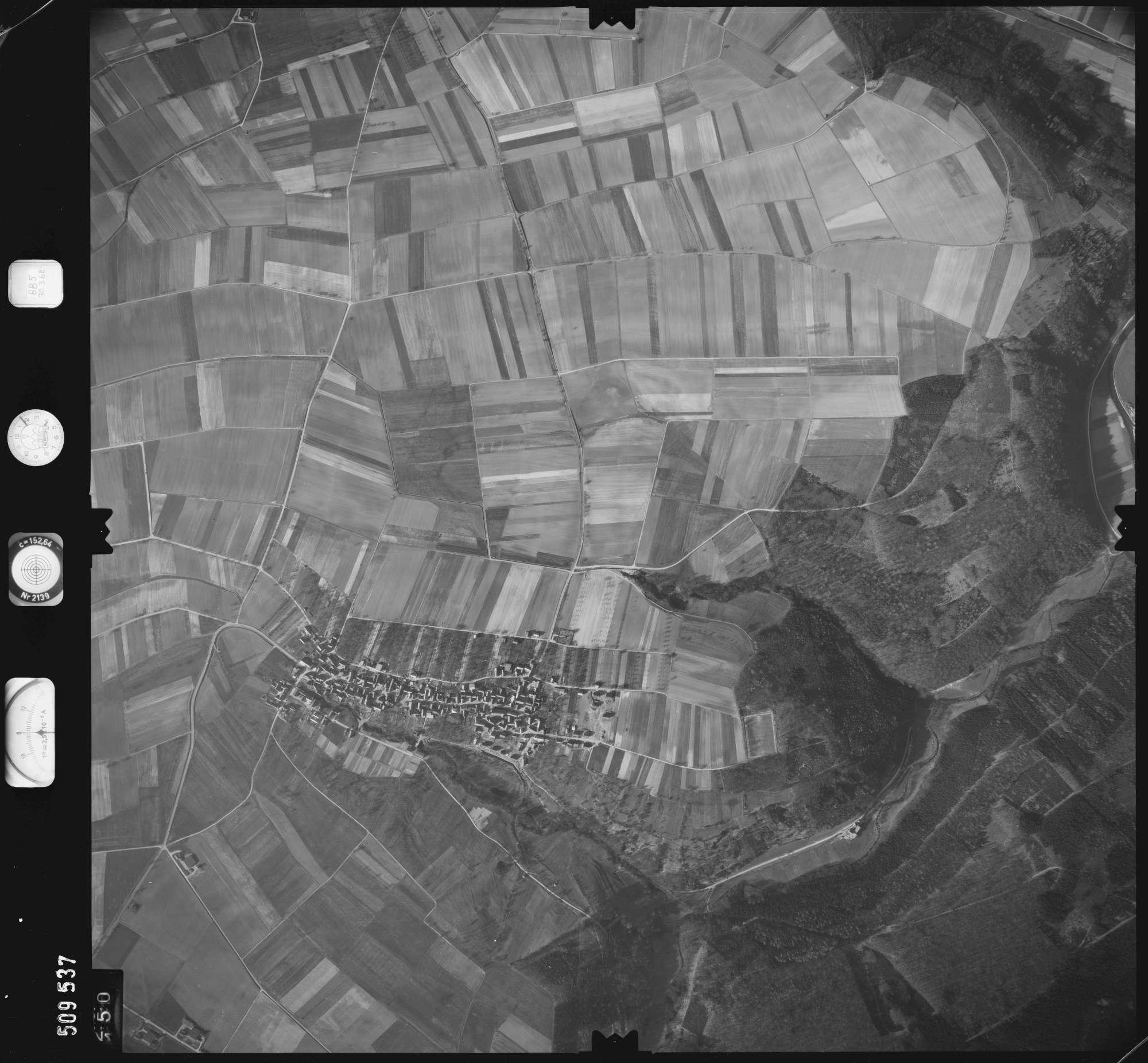 Luftbild: Film 885 Bildnr. 150, Bild 1
