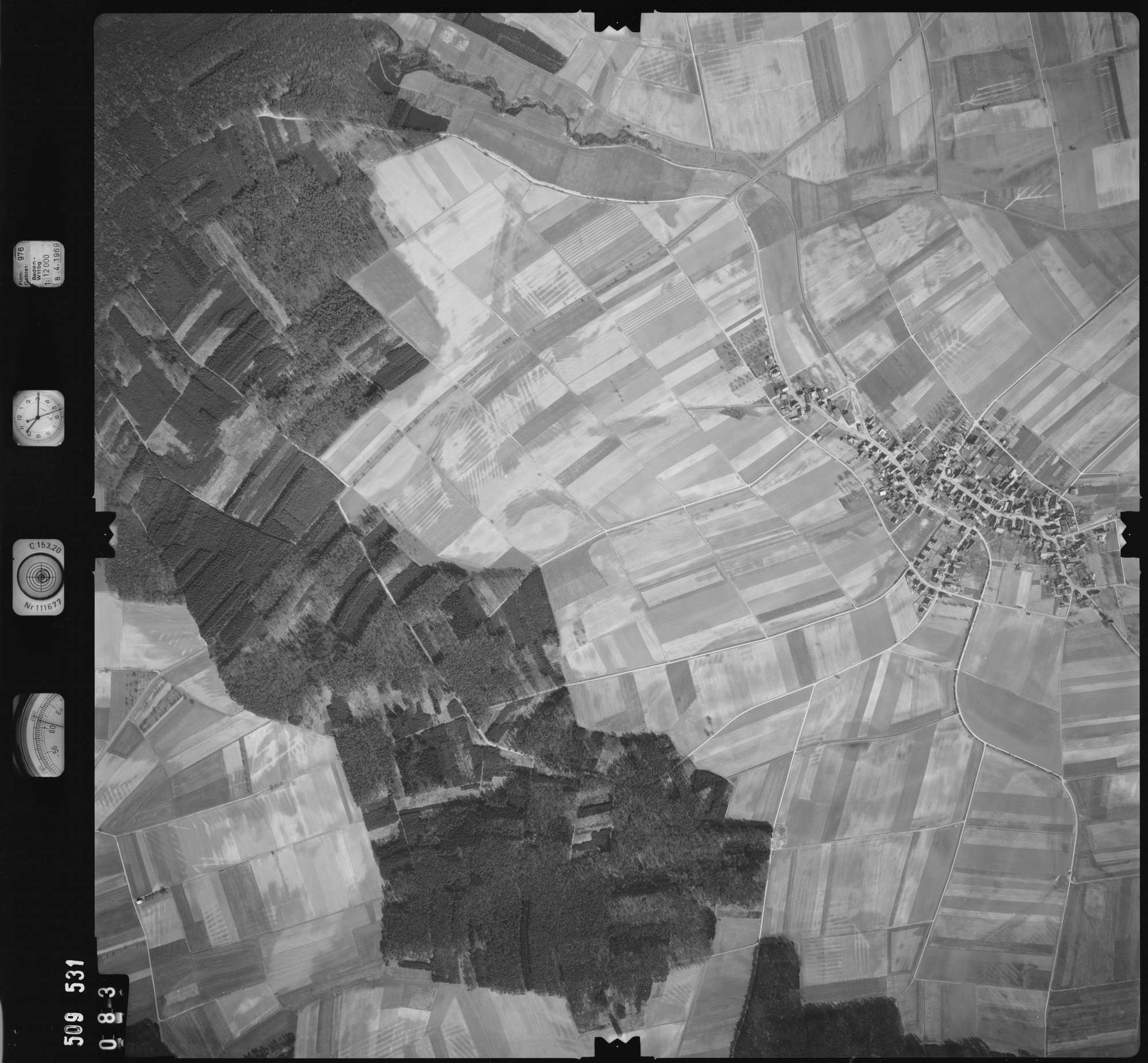 Luftbild: Film 976 Bildnr. 83, Bild 1