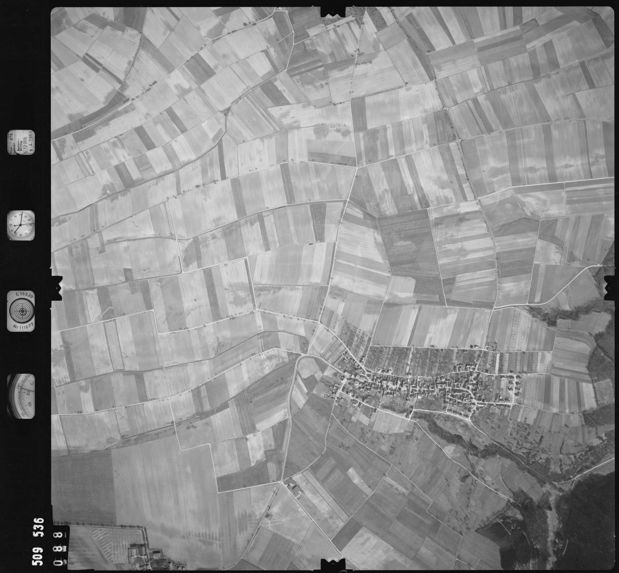 Luftbild: Film 976 Bildnr. 88, Bild 1