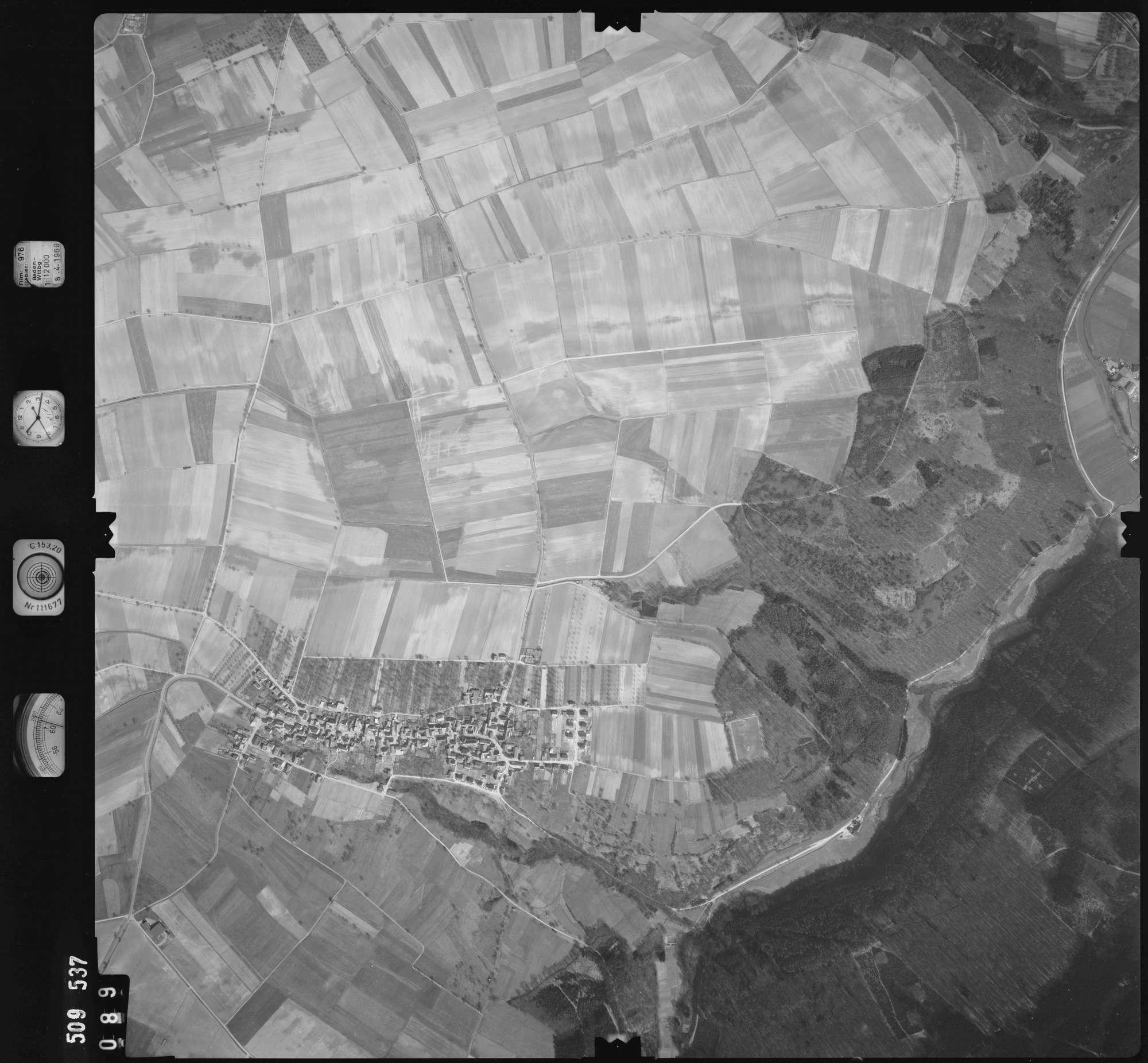 Luftbild: Film 976 Bildnr. 89, Bild 1
