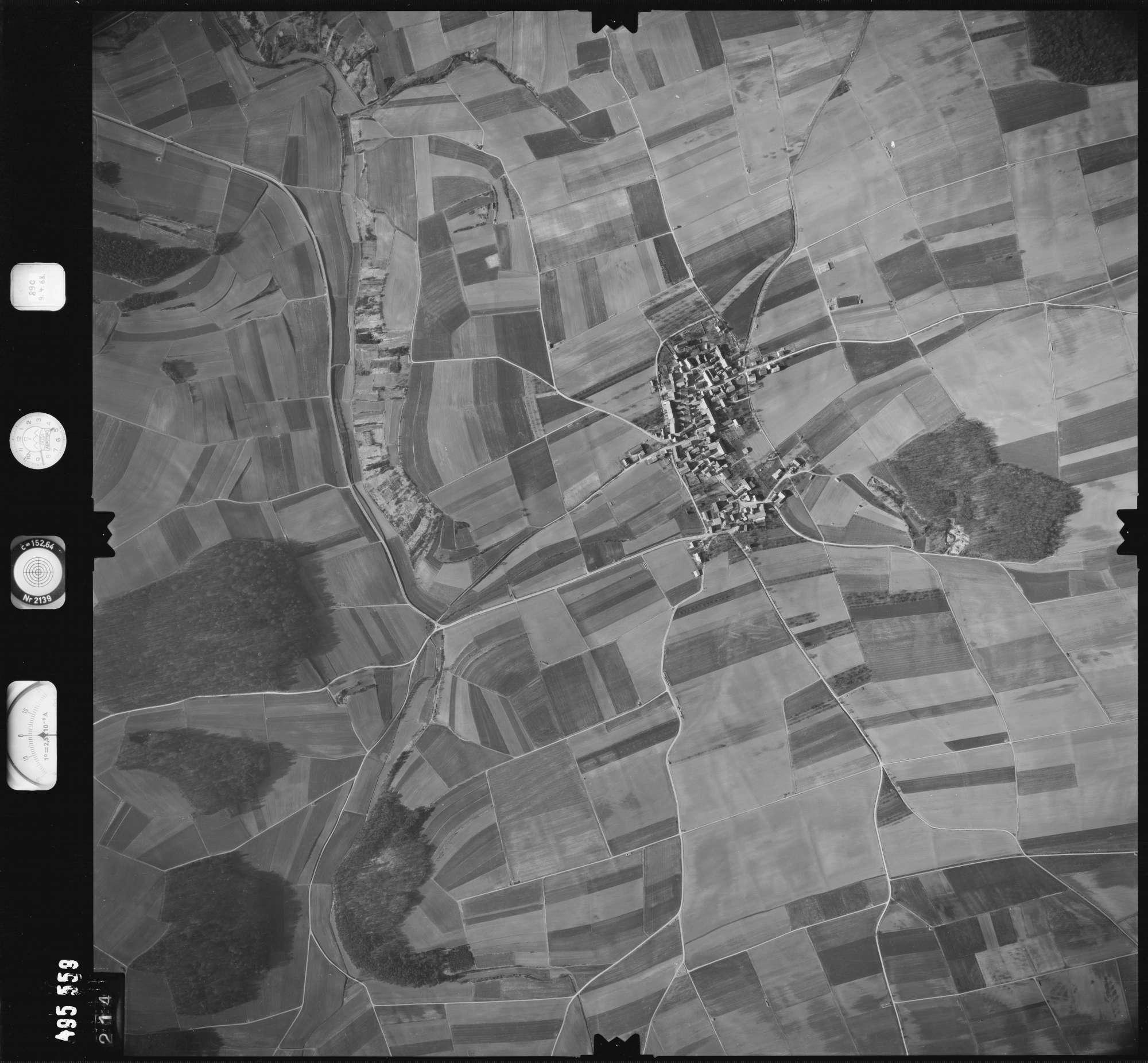 Luftbild: Film 889 Bildnr. 214, Bild 1