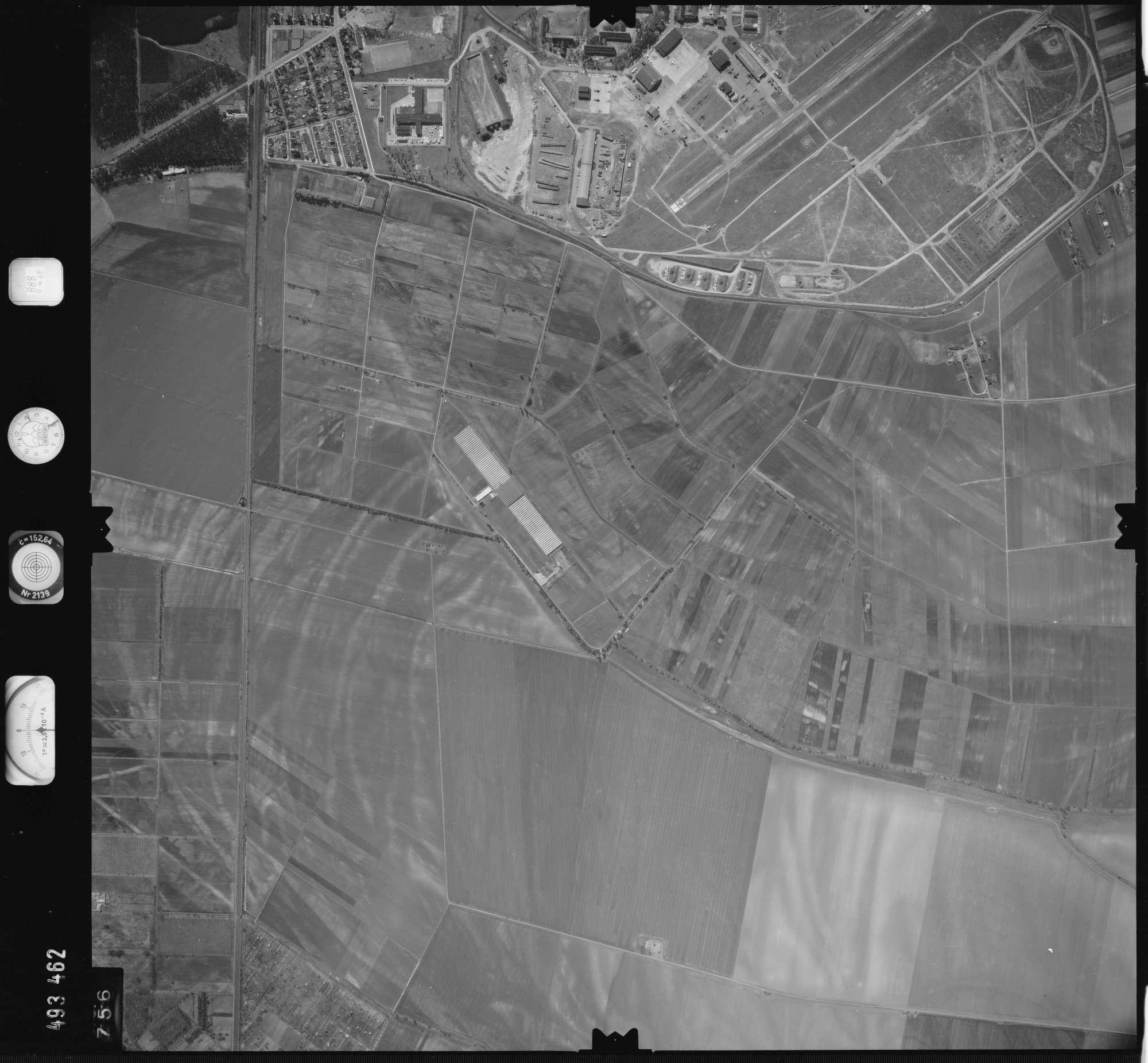 Luftbild: Film 888 Bildnr. 756, Bild 1
