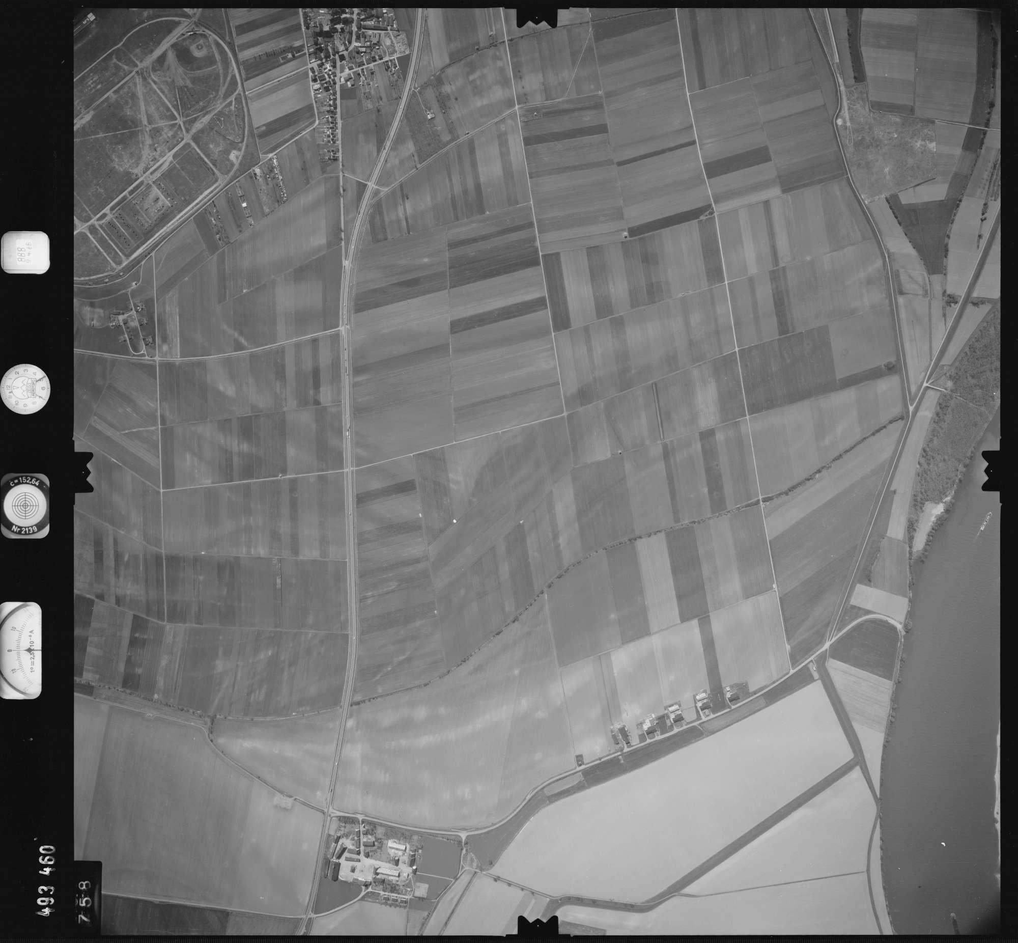 Luftbild: Film 888 Bildnr. 758, Bild 1