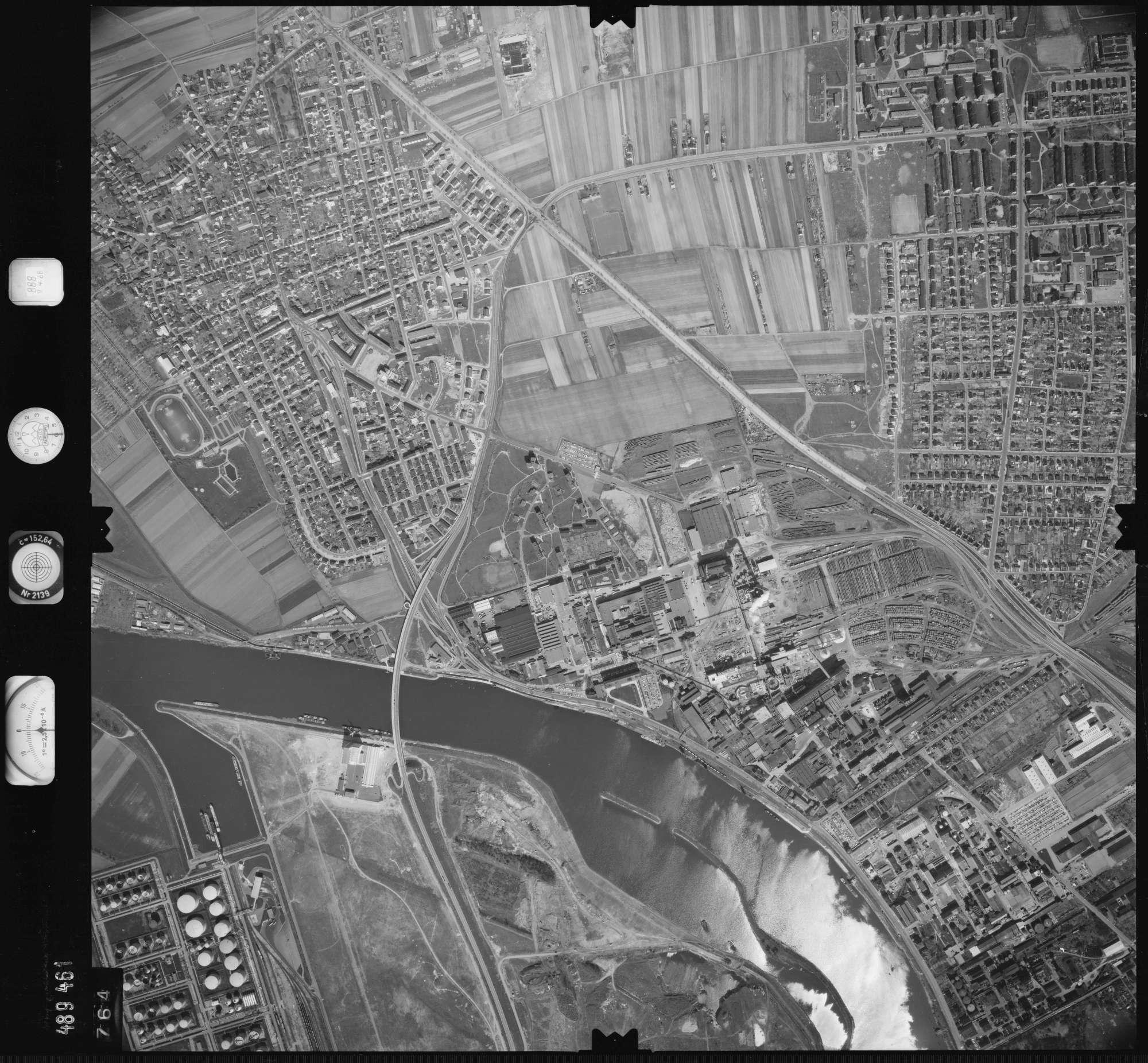Luftbild: Film 888 Bildnr. 764, Bild 1