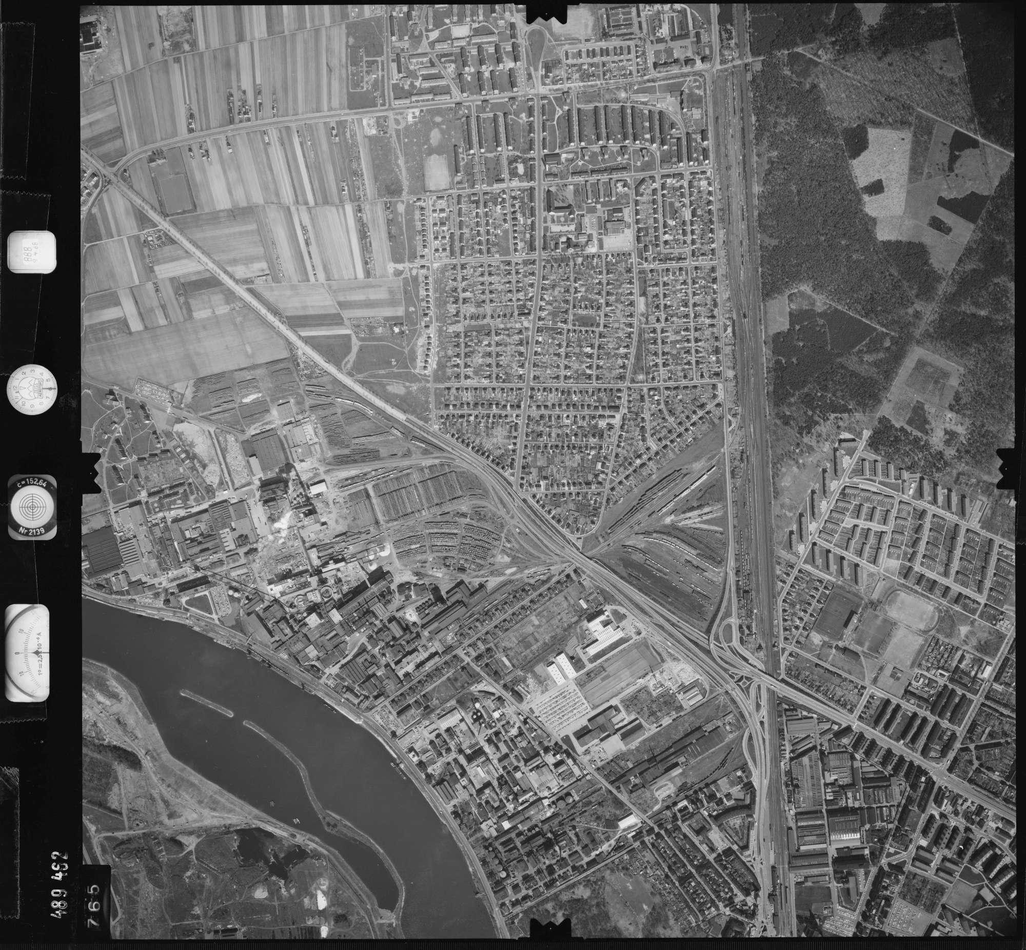 Luftbild: Film 888 Bildnr. 765, Bild 1