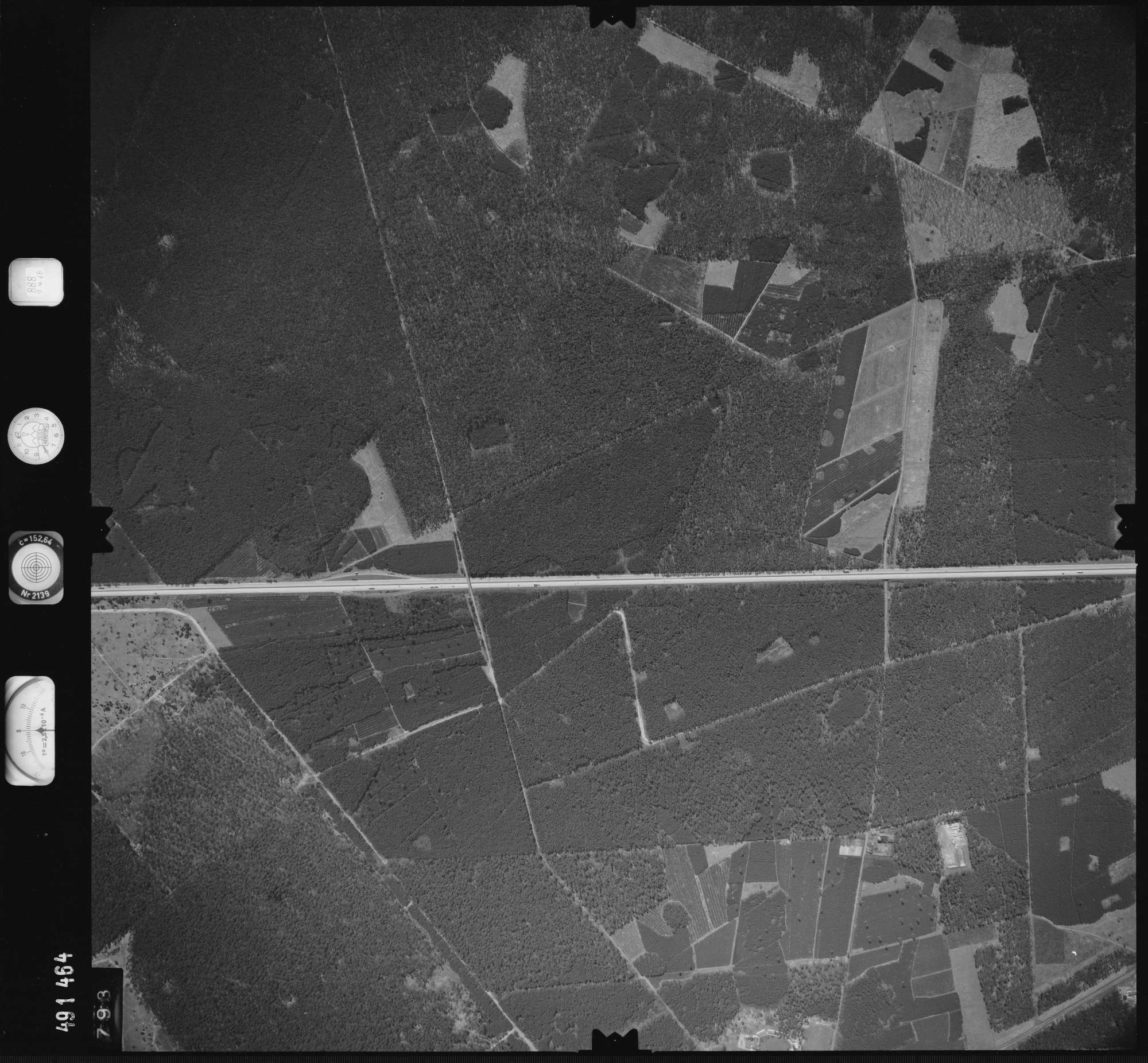 Luftbild: Film 888 Bildnr. 793, Bild 1