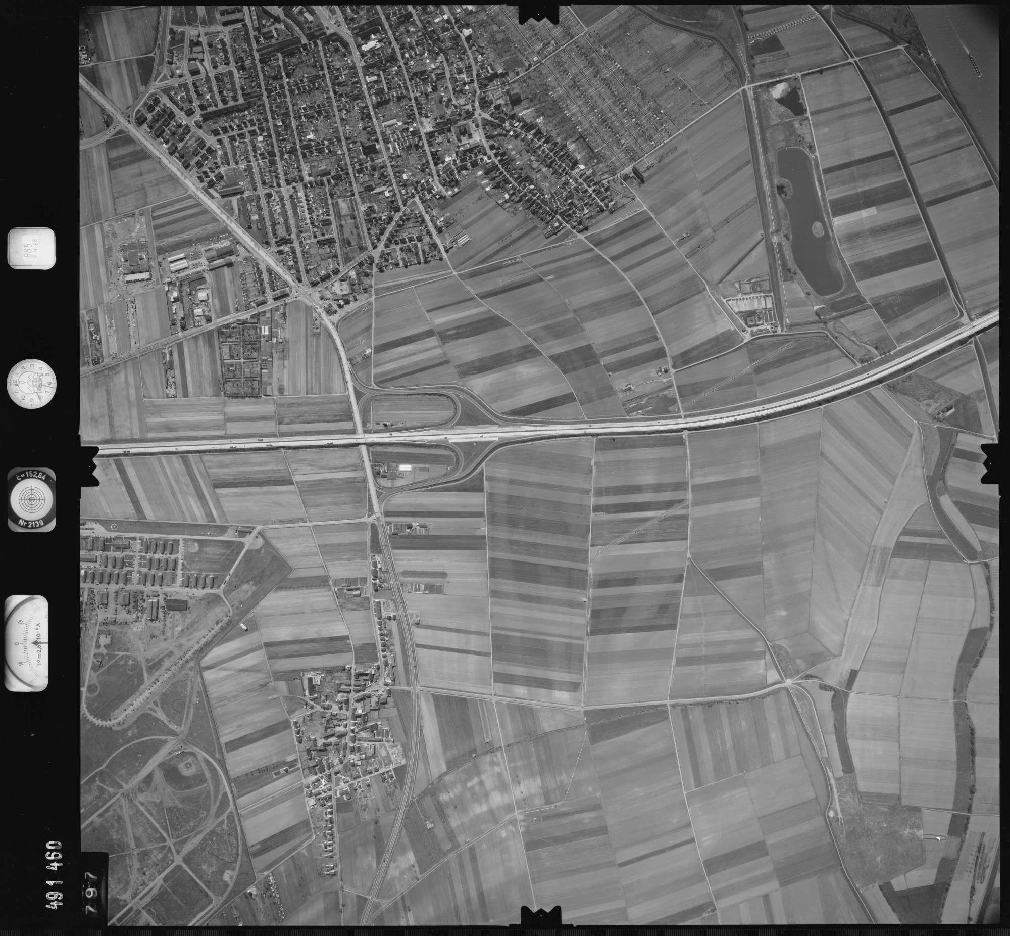 Luftbild: Film 888 Bildnr. 797, Bild 1