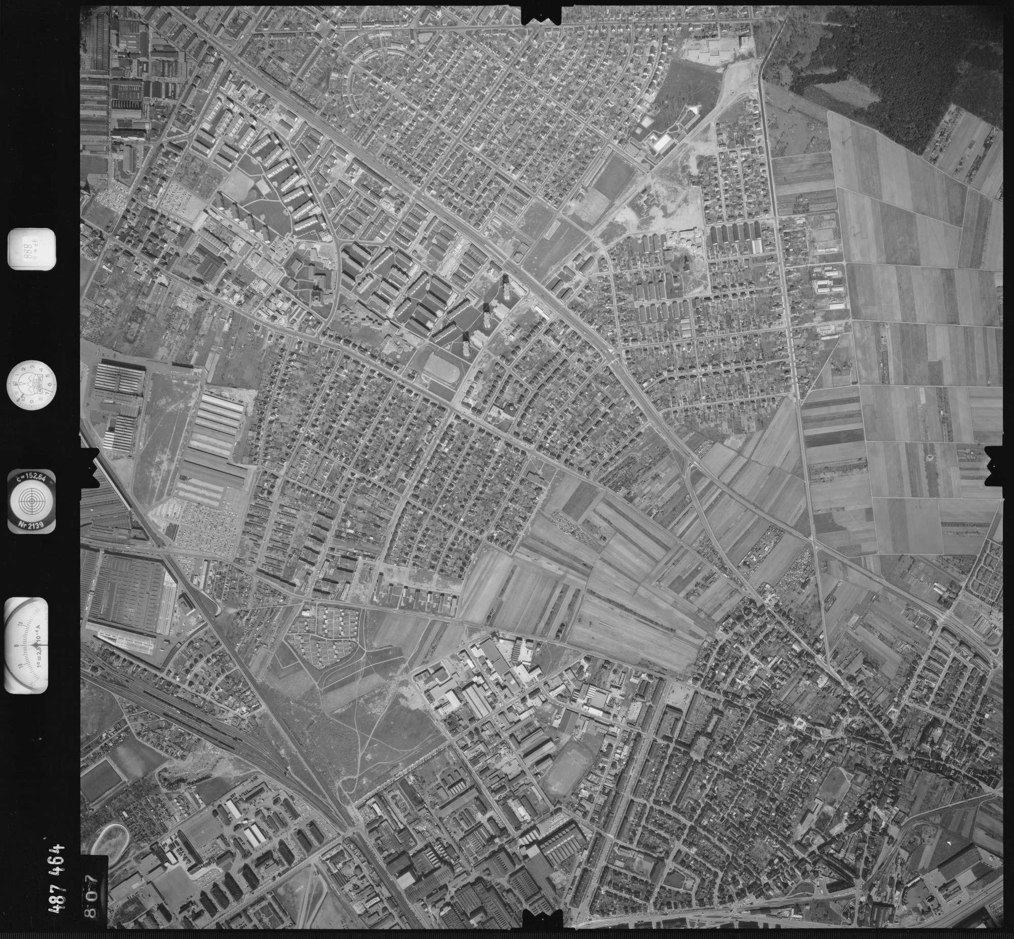 Luftbild: Film 888 Bildnr. 807, Bild 1