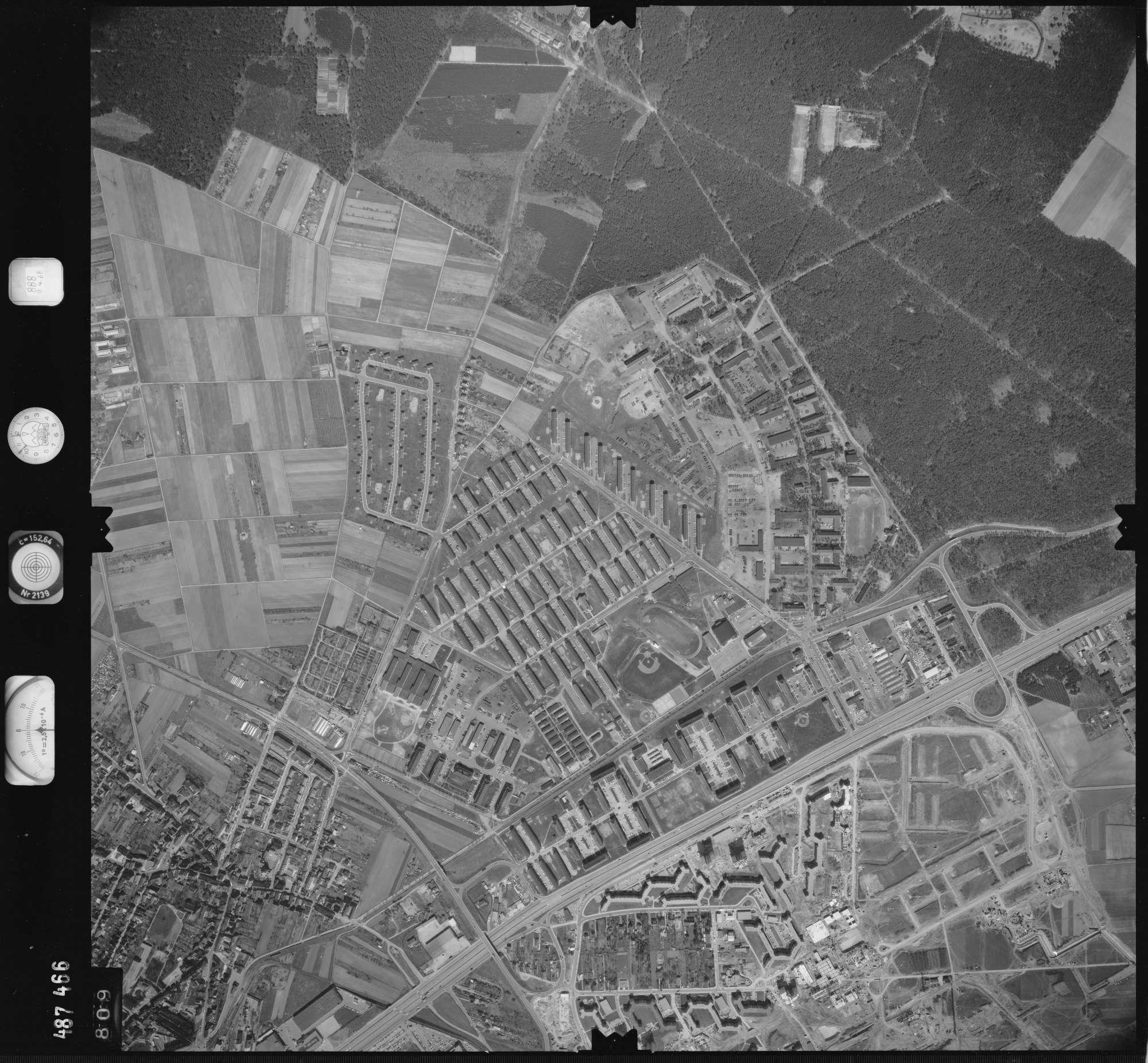 Luftbild: Film 888 Bildnr. 809, Bild 1